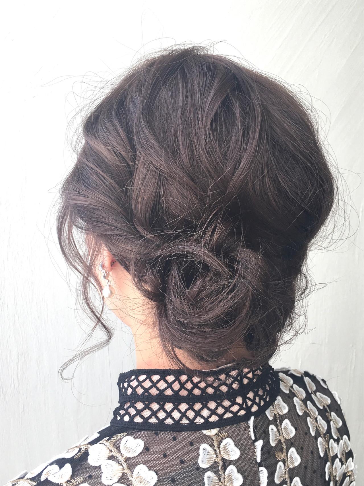 シニヨン まとめ髪 ヘアアレンジ 簡単ヘアアレンジ ヘアスタイルや髪型の写真・画像