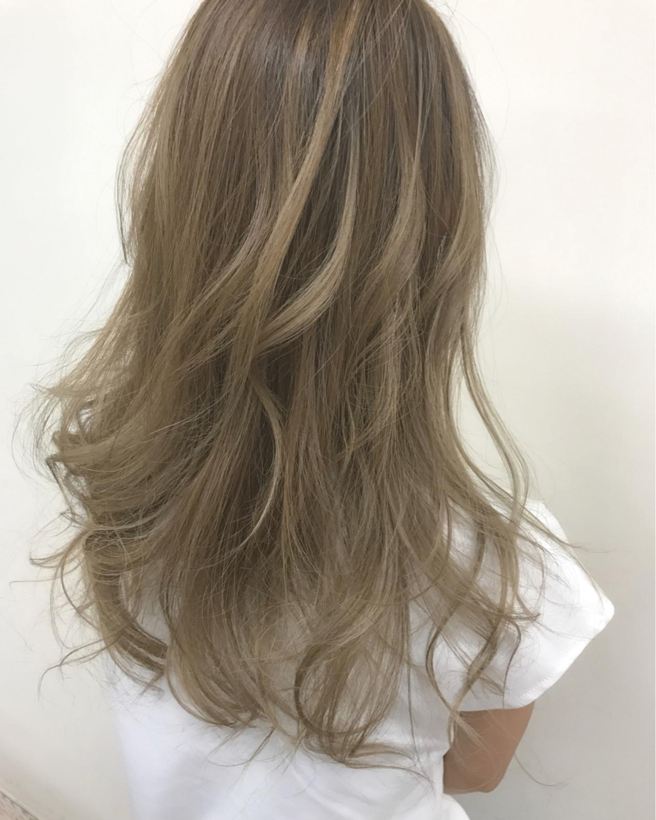 アッシュ セミロング 外国人風 ハイライト ヘアスタイルや髪型の写真・画像 | 天野 恭江 / ルプラボウ trico店