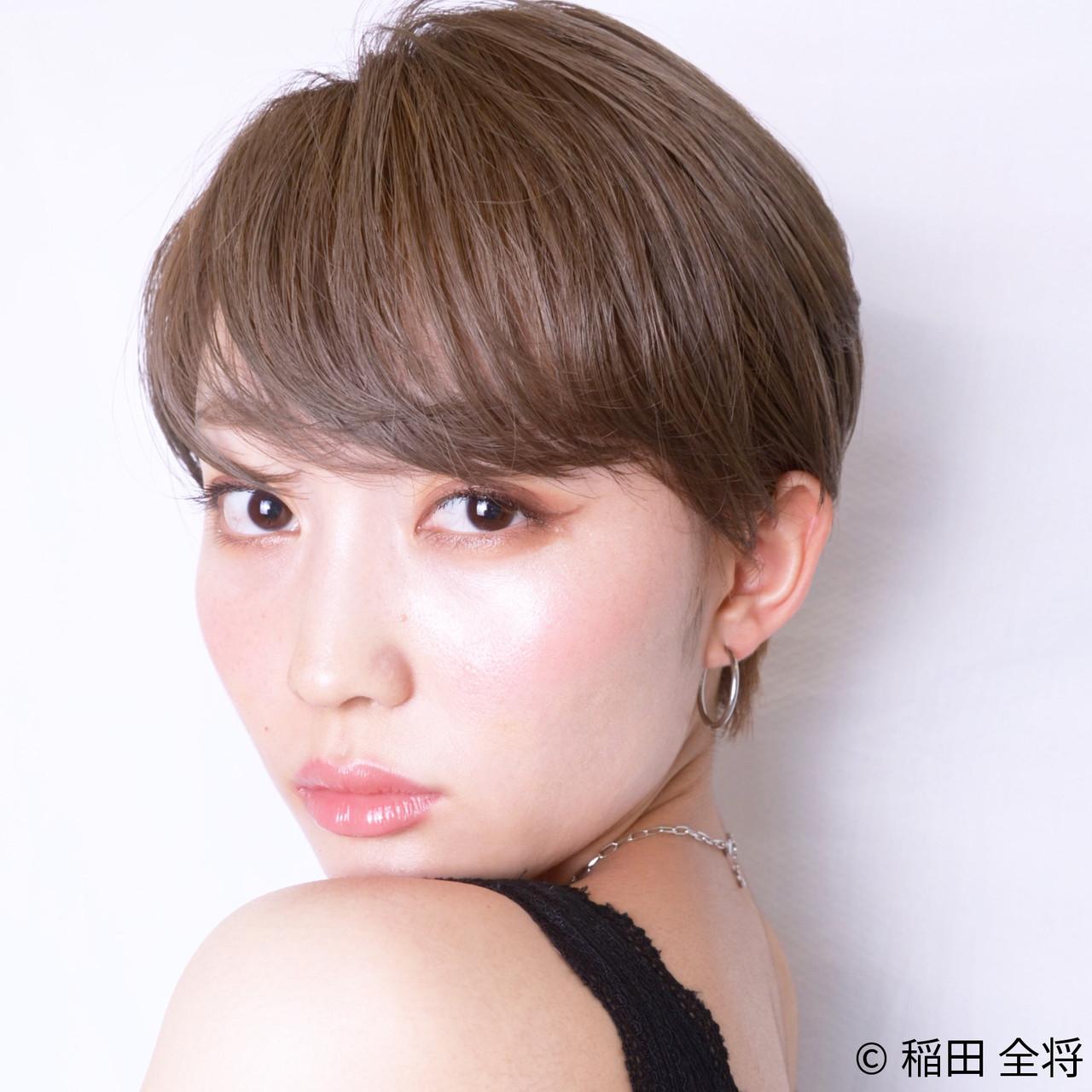 ナチュラル可愛い 艶グレーベージュ ショート 艶髪 ヘアスタイルや髪型の写真・画像