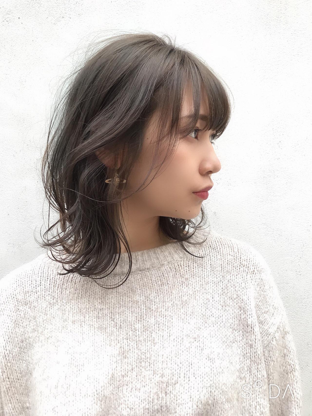パーマ 簡単ヘアアレンジ ワンカールスタイリング アッシュベージュ ヘアスタイルや髪型の写真・画像 | 寺山佳貴 / TONI&GUY EBISU