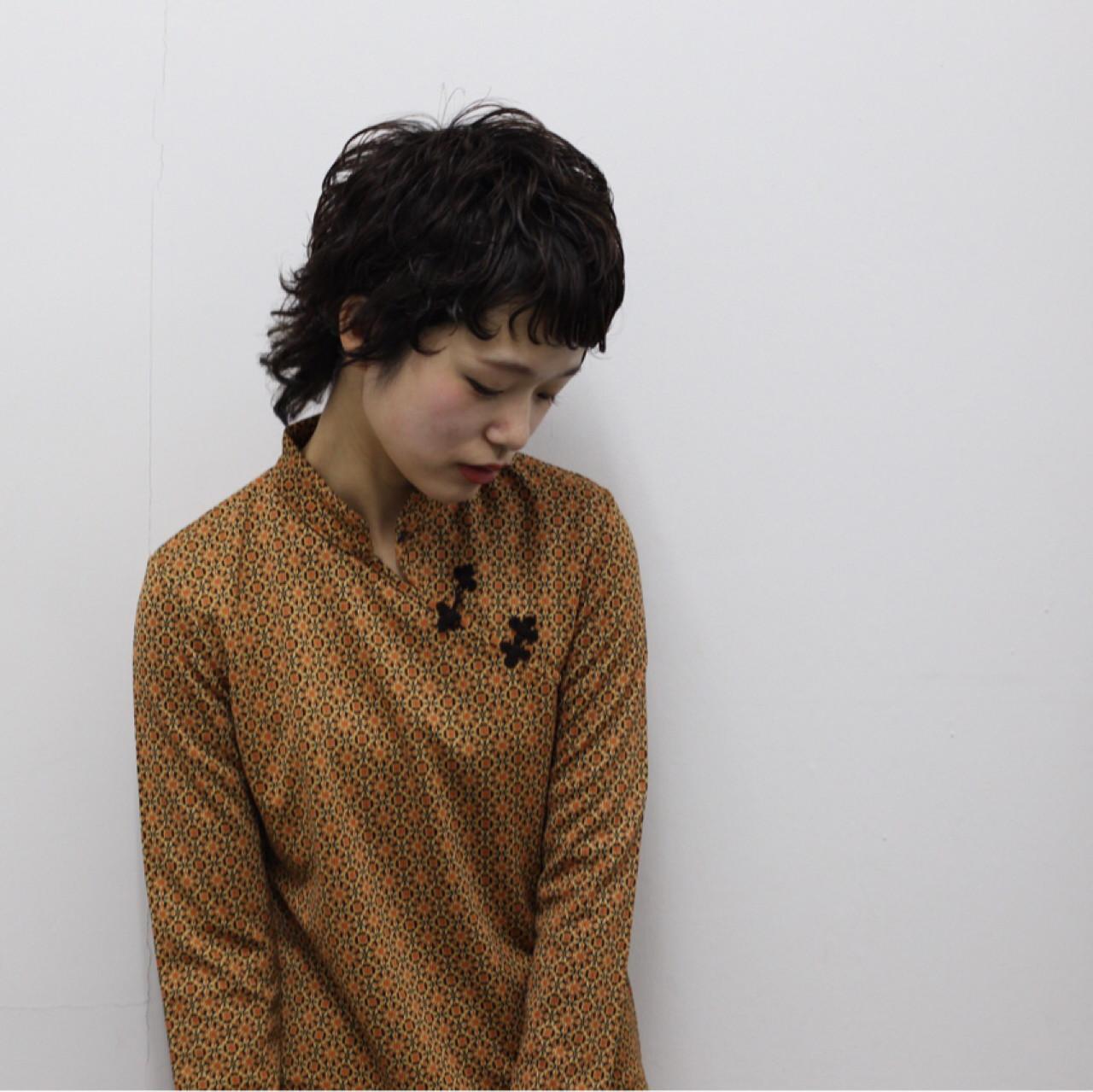 黒髪 ショート ウルフカット アッシュ ヘアスタイルや髪型の写真・画像