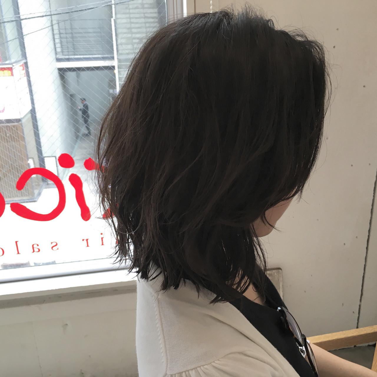 ミディアム ストリート ウルフカット レイヤーカット ヘアスタイルや髪型の写真・画像
