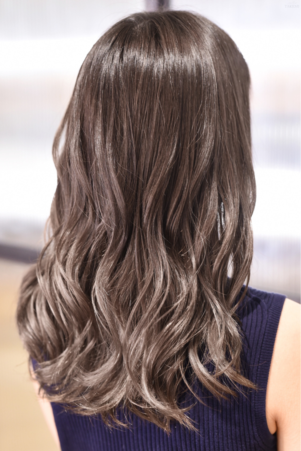 ダブルカラー セミロング ナチュラル バレイヤージュ ヘアスタイルや髪型の写真・画像