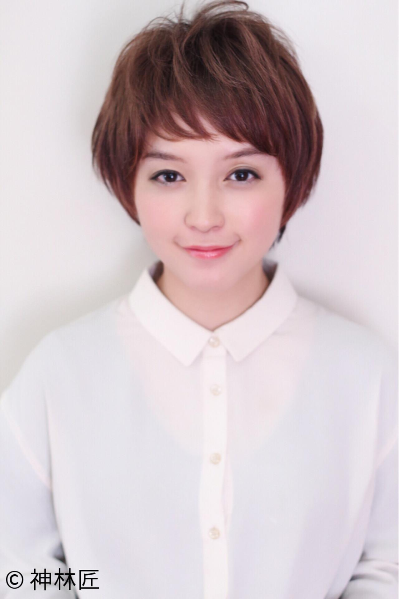 ショートバング ナチュラル 前髪あり 小顔 ヘアスタイルや髪型の写真・画像