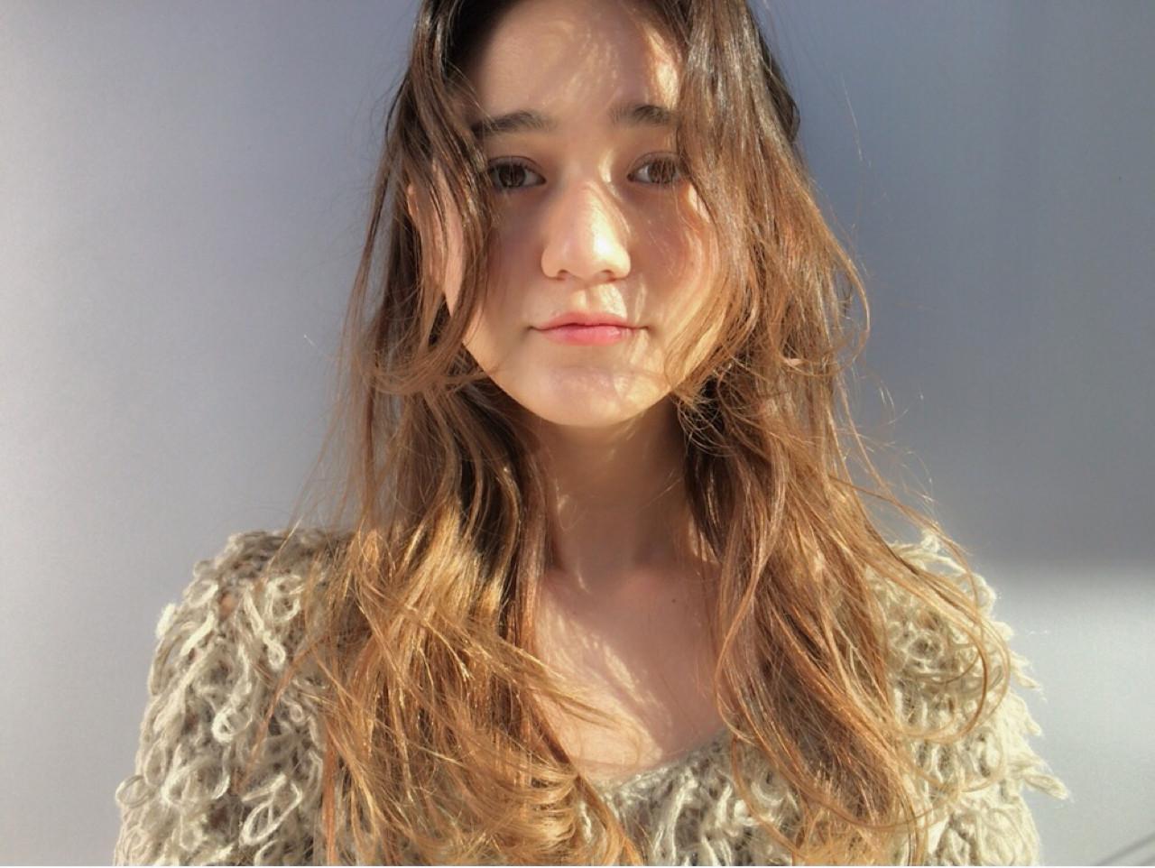 アッシュ パーマ ハイライト ナチュラル ヘアスタイルや髪型の写真・画像 | 井上 彩 / Luxe