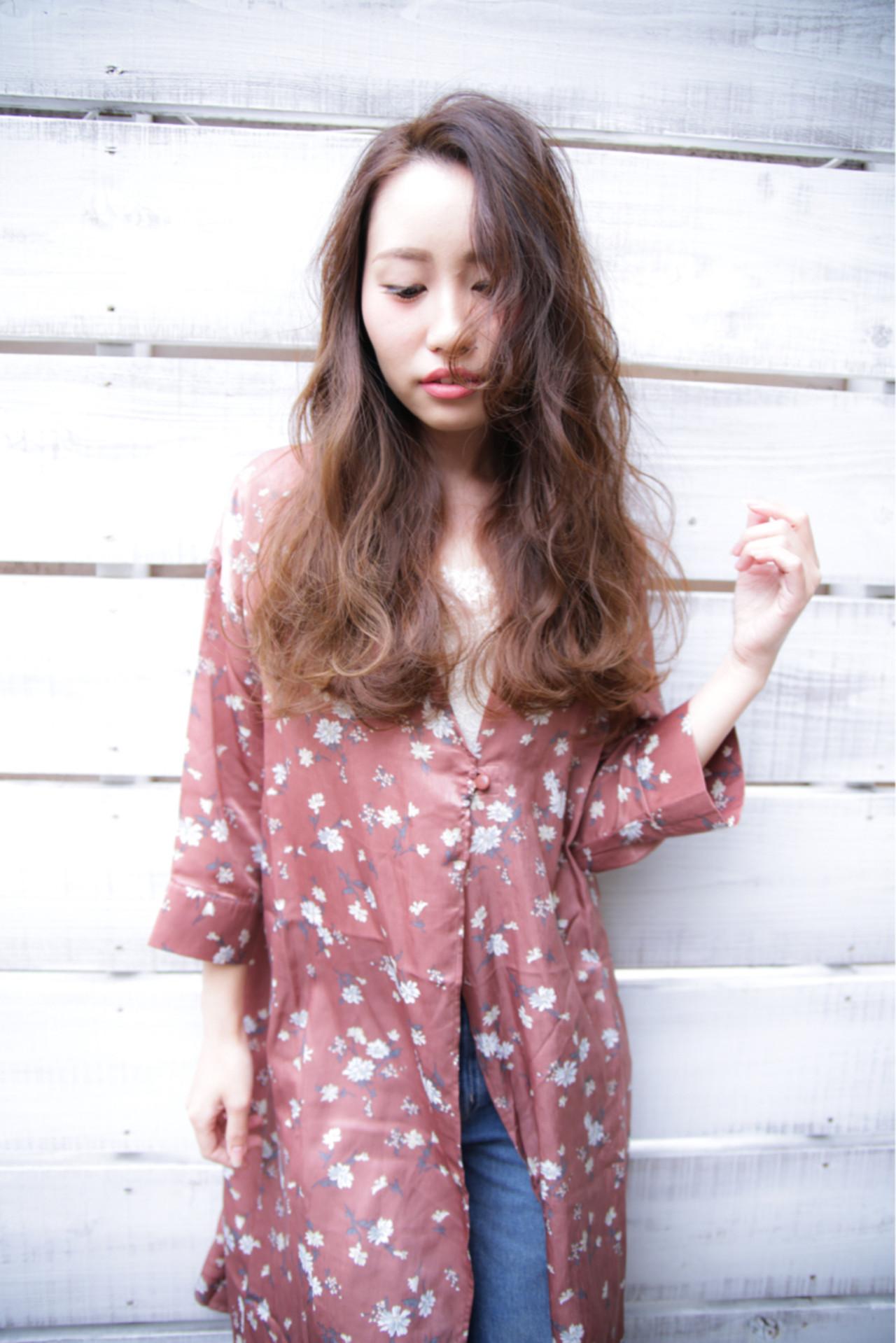 イルミナカラー ロング 大人かわいい 外国人風 ヘアスタイルや髪型の写真・画像