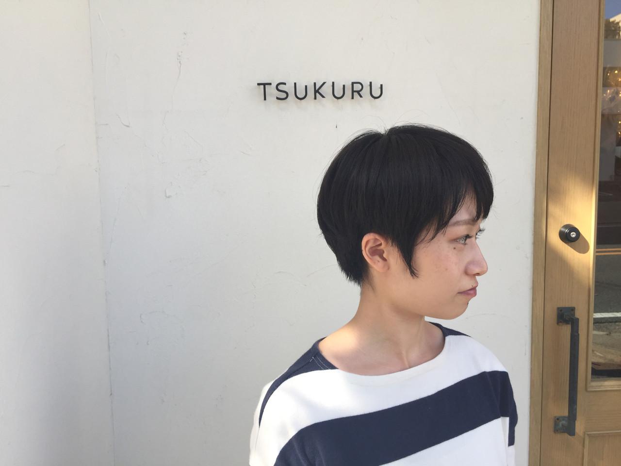 丸みを残したマッシュショート。  ダークグレーのカラーなので、大人の方にもオススメで  す。   http://www.tsukuru215.jp
