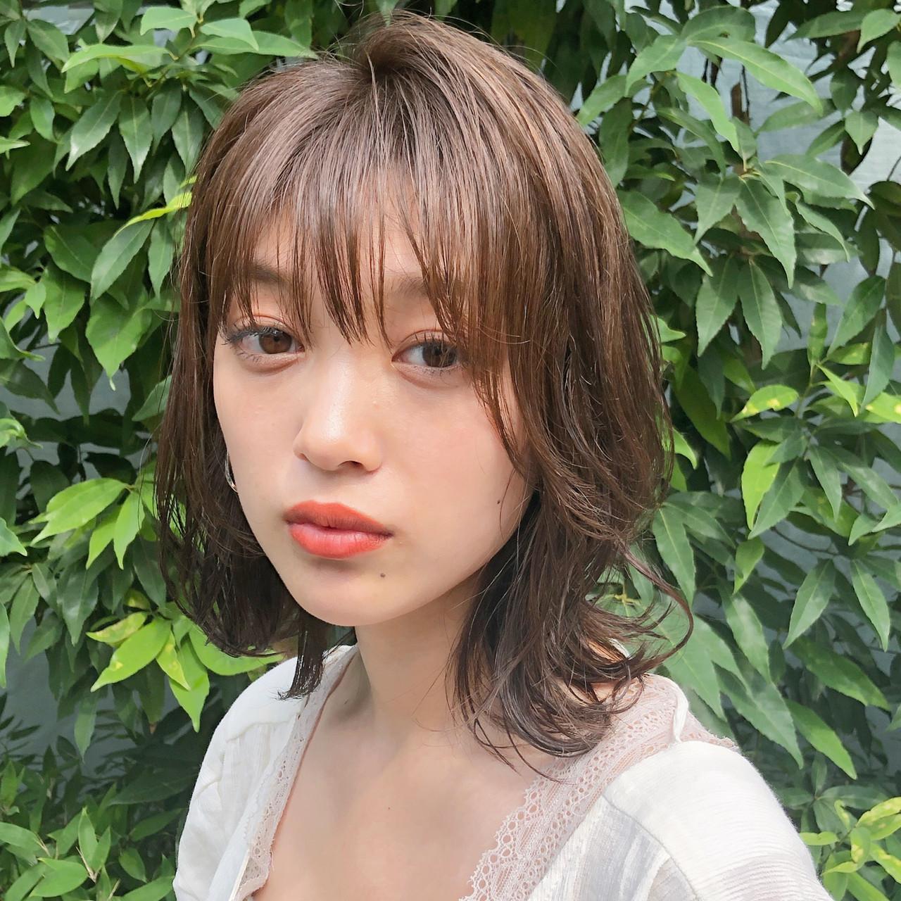 ゆるふわ アンニュイほつれヘア 大人かわいい ナチュラル ヘアスタイルや髪型の写真・画像