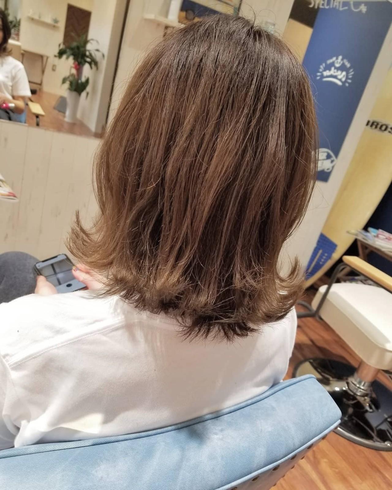 大人かわいい 透明感 外ハネ フェミニン ヘアスタイルや髪型の写真・画像