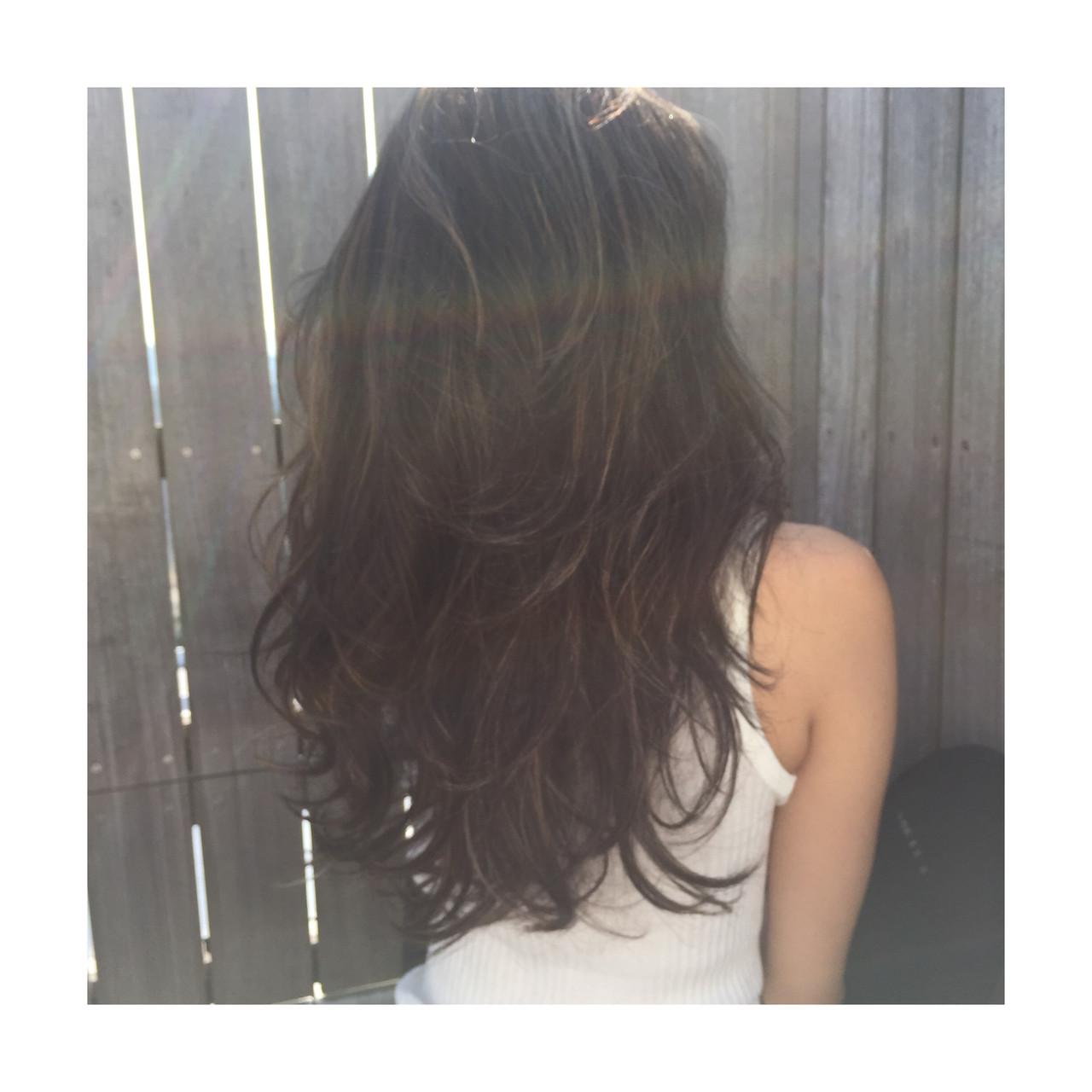 地毛ハイライト レイヤーカット 外国人風カラー ハイライト ヘアスタイルや髪型の写真・画像