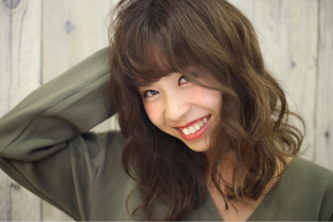 ミディアム パーマ 外国人風 暗髪 ヘアスタイルや髪型の写真・画像 | 中島 香 / JAM