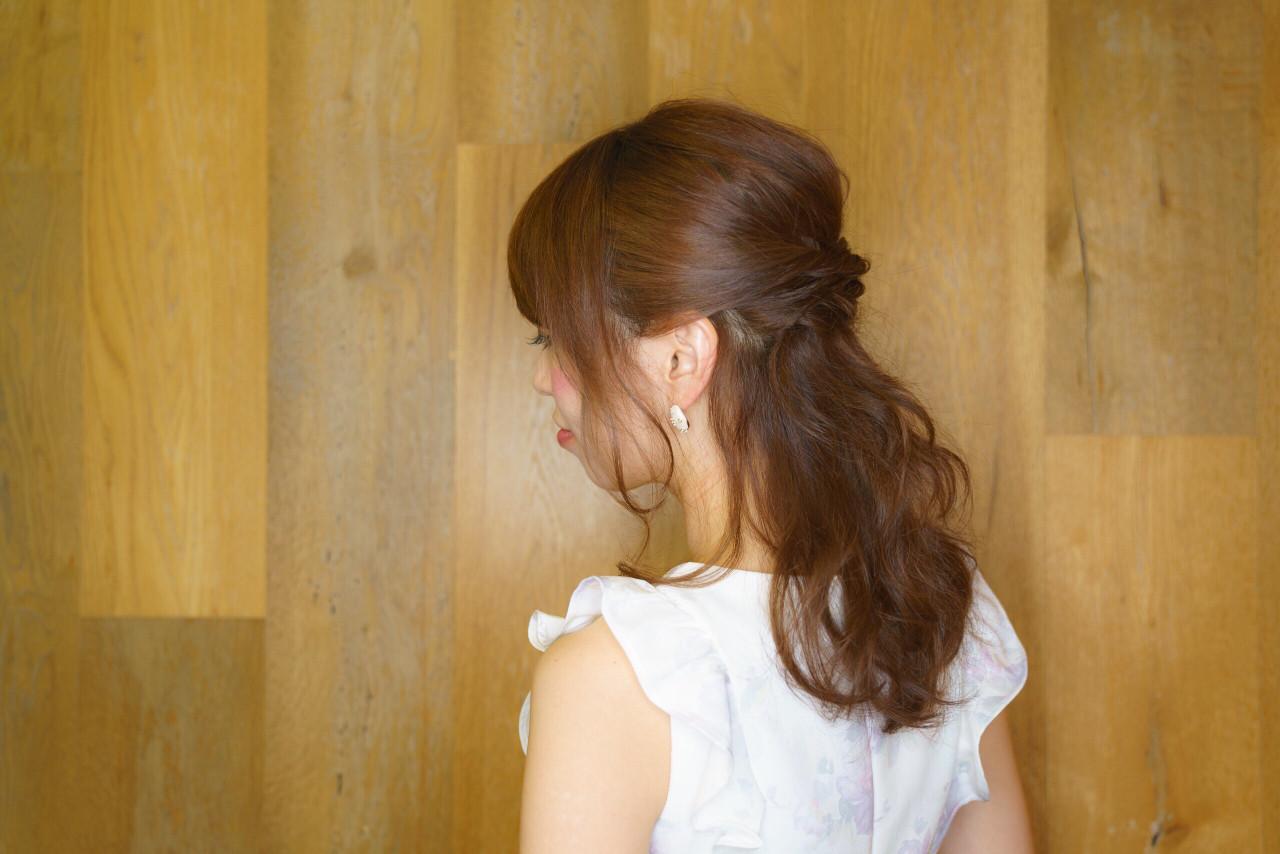 フェミニン セミロング コンサバ ハーフアップ ヘアスタイルや髪型の写真・画像