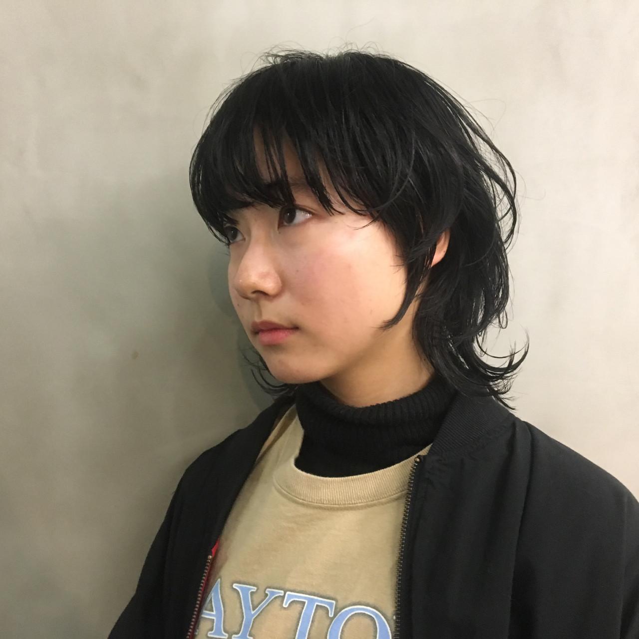 マッシュ 外ハネ ウェットヘア ナチュラル ヘアスタイルや髪型の写真・画像