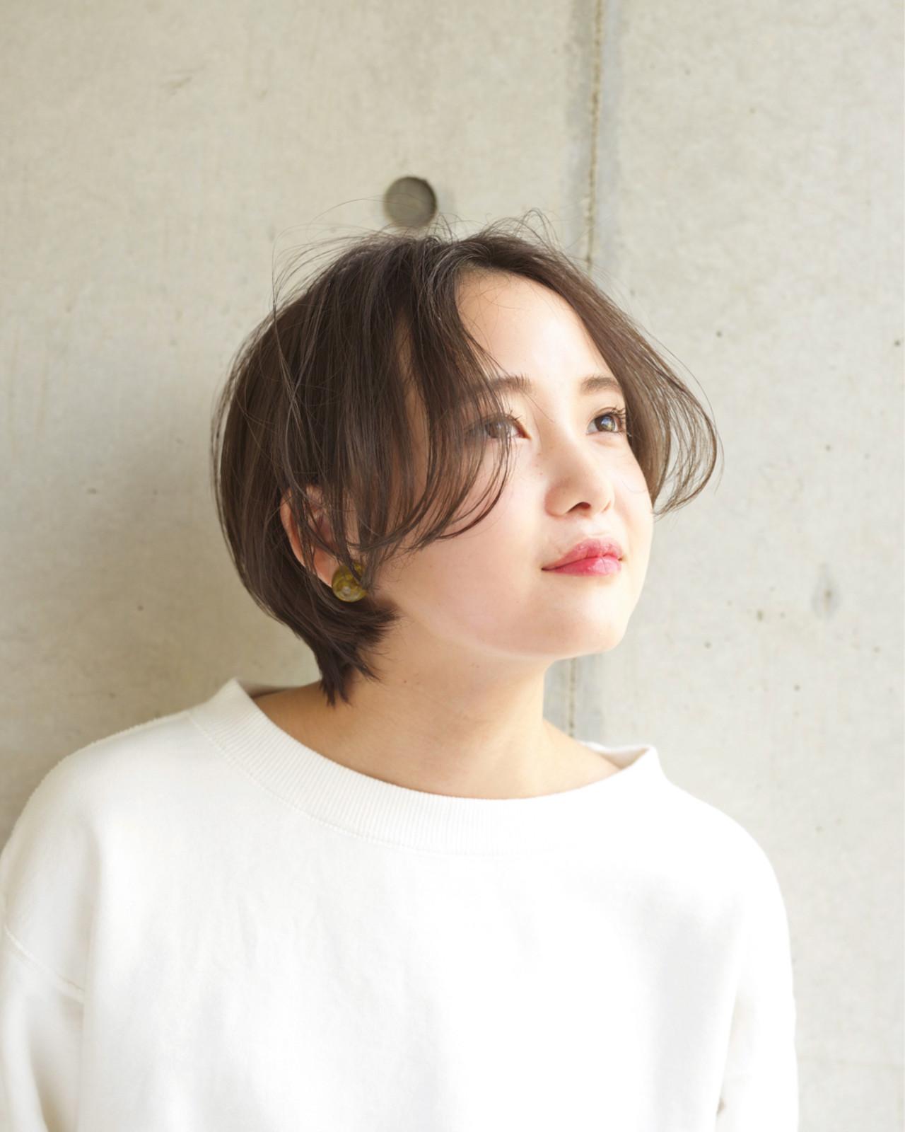 小顔 ショート フェミニン マッシュ ヘアスタイルや髪型の写真・画像