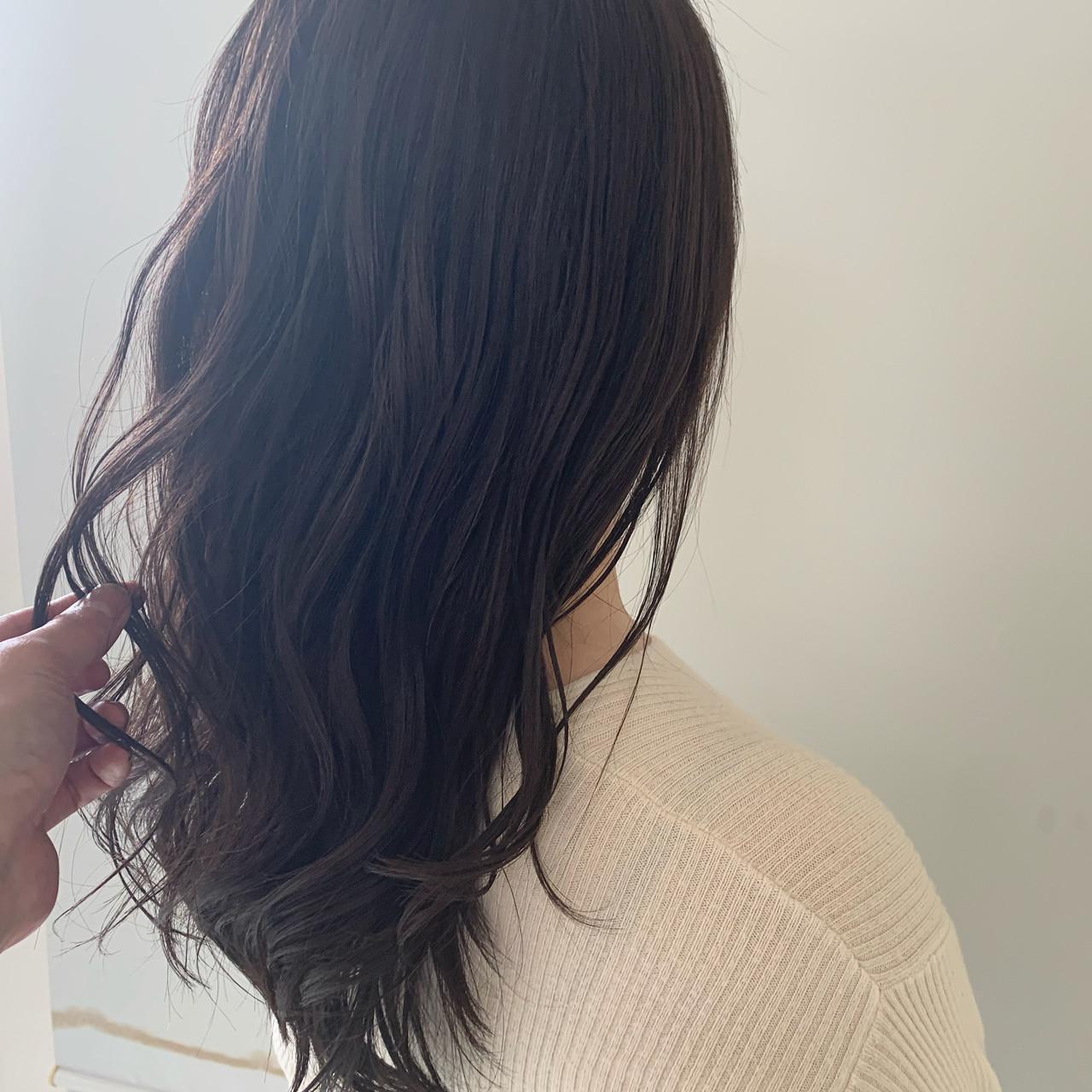 簡単ヘアアレンジ アンニュイほつれヘア セミロング 巻き髪 ヘアスタイルや髪型の写真・画像