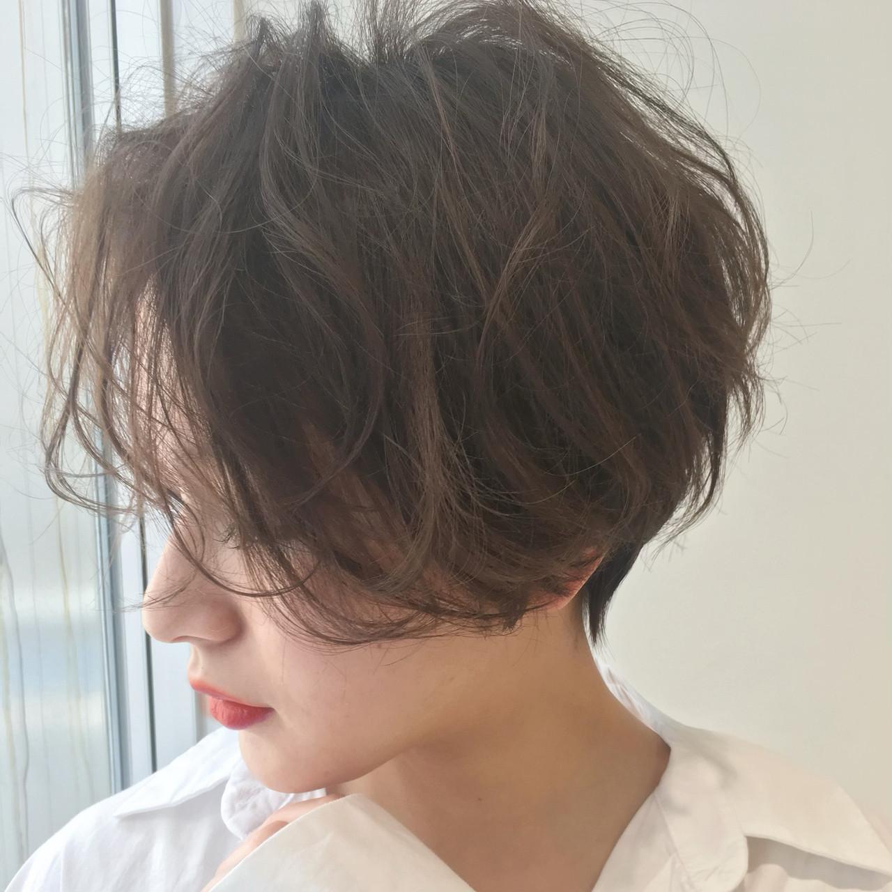 色気 センターパート パーマ ゆるふわ ヘアスタイルや髪型の写真・画像 | LIPPS銀座 安田愛佳 / LIPPS 銀座