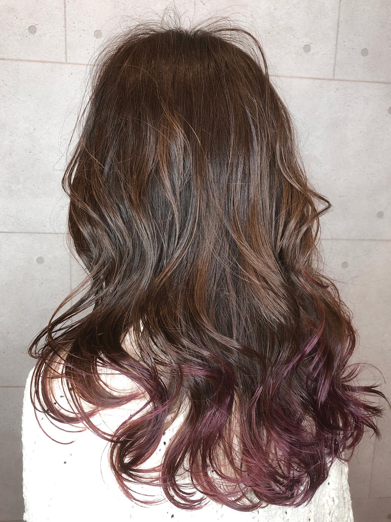 フェミニン グラデーションカラー グレージュ ハイライト ヘアスタイルや髪型の写真・画像