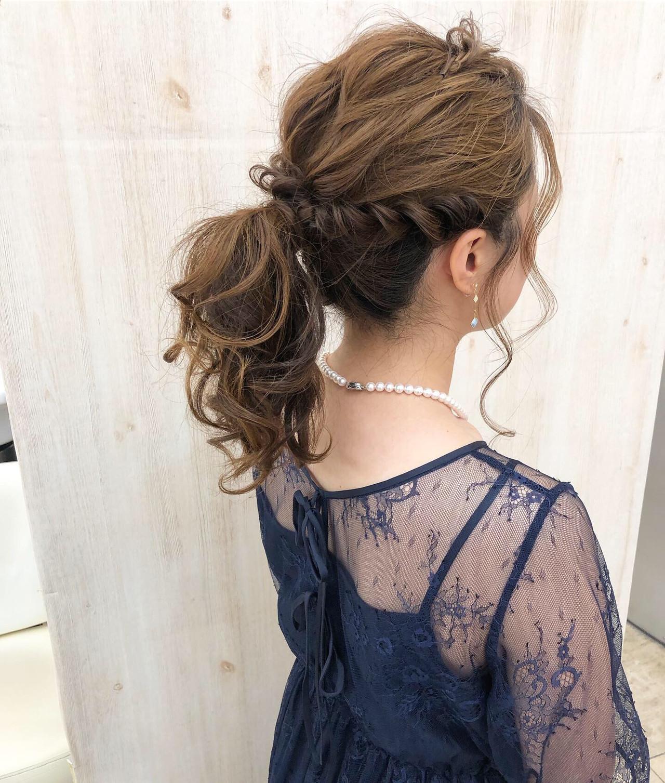 セミロング ポニーテール ナチュラル 結婚式 ヘアスタイルや髪型の写真・画像