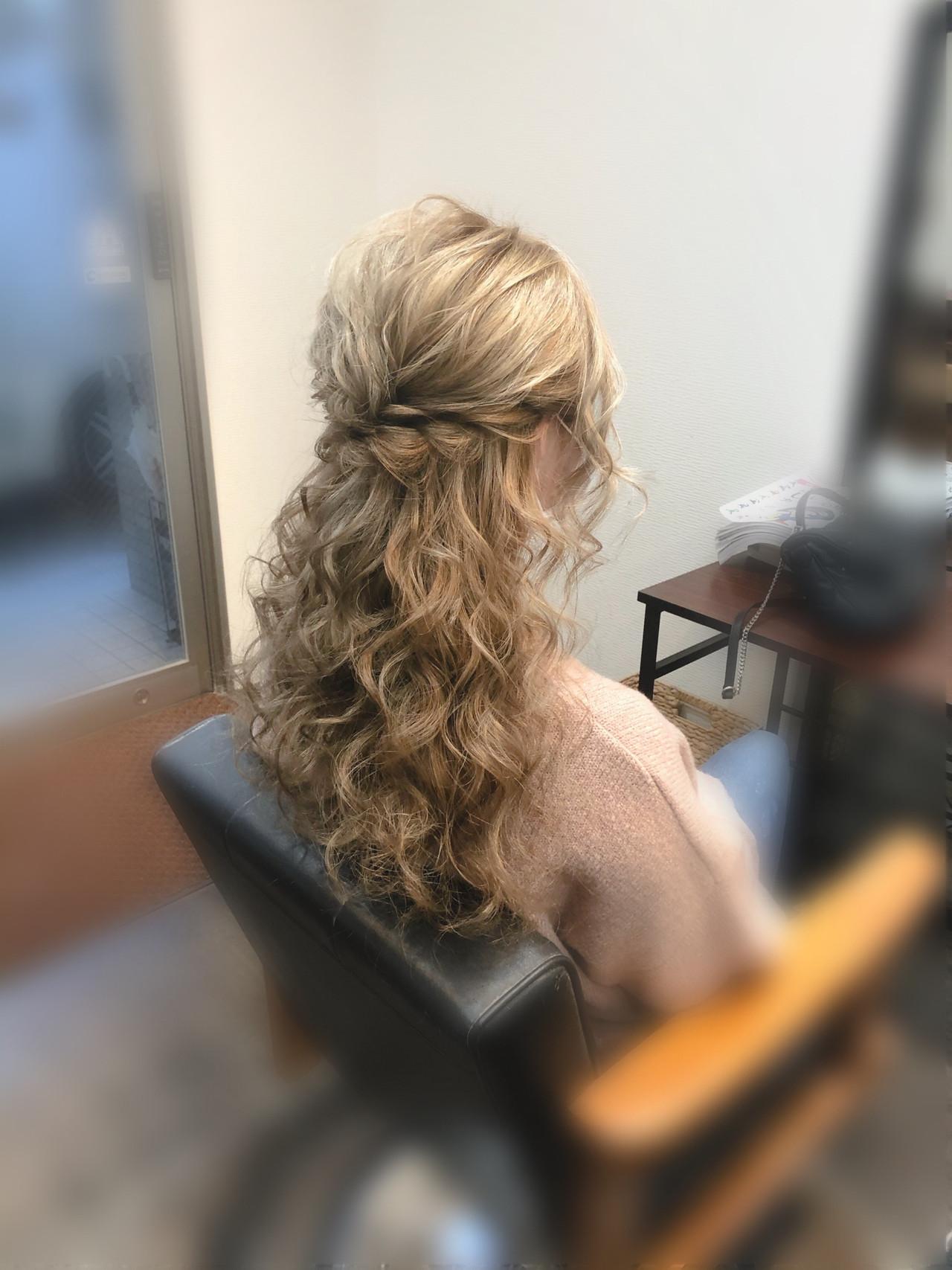 セミロング ヘアセット フェミニン ブライダル ヘアスタイルや髪型の写真・画像   mai / HAIR SALON STELLA