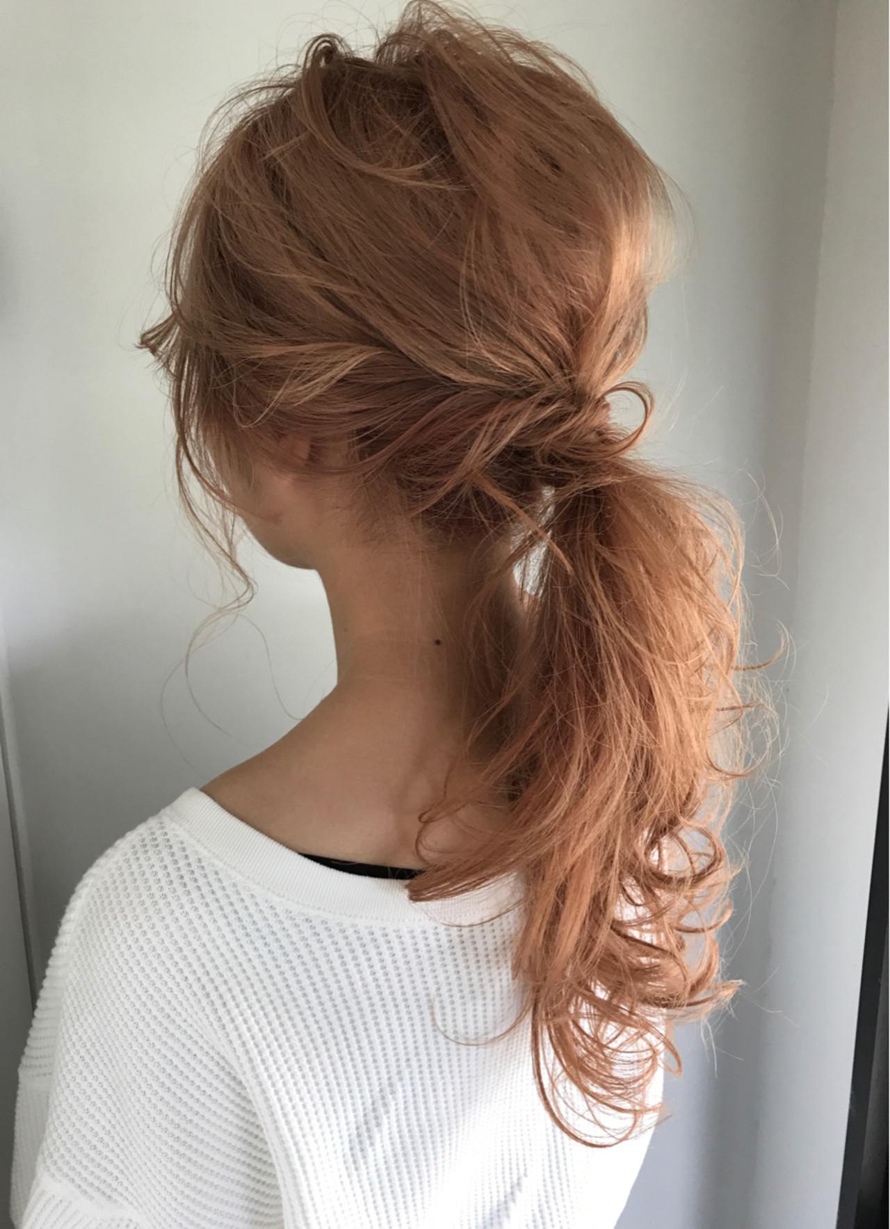 ナチュラル 簡単ヘアアレンジ セミロング ウェーブ ヘアスタイルや髪型の写真・画像