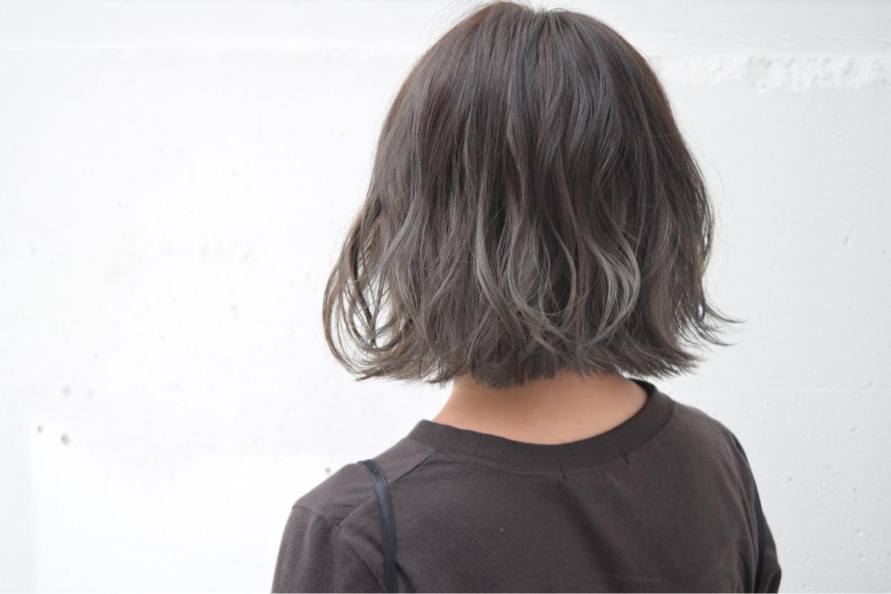 外国人風 ボブ 暗髪 バレイヤージュ ヘアスタイルや髪型の写真・画像 | 鈴木 謙太 / HAIRLOGY