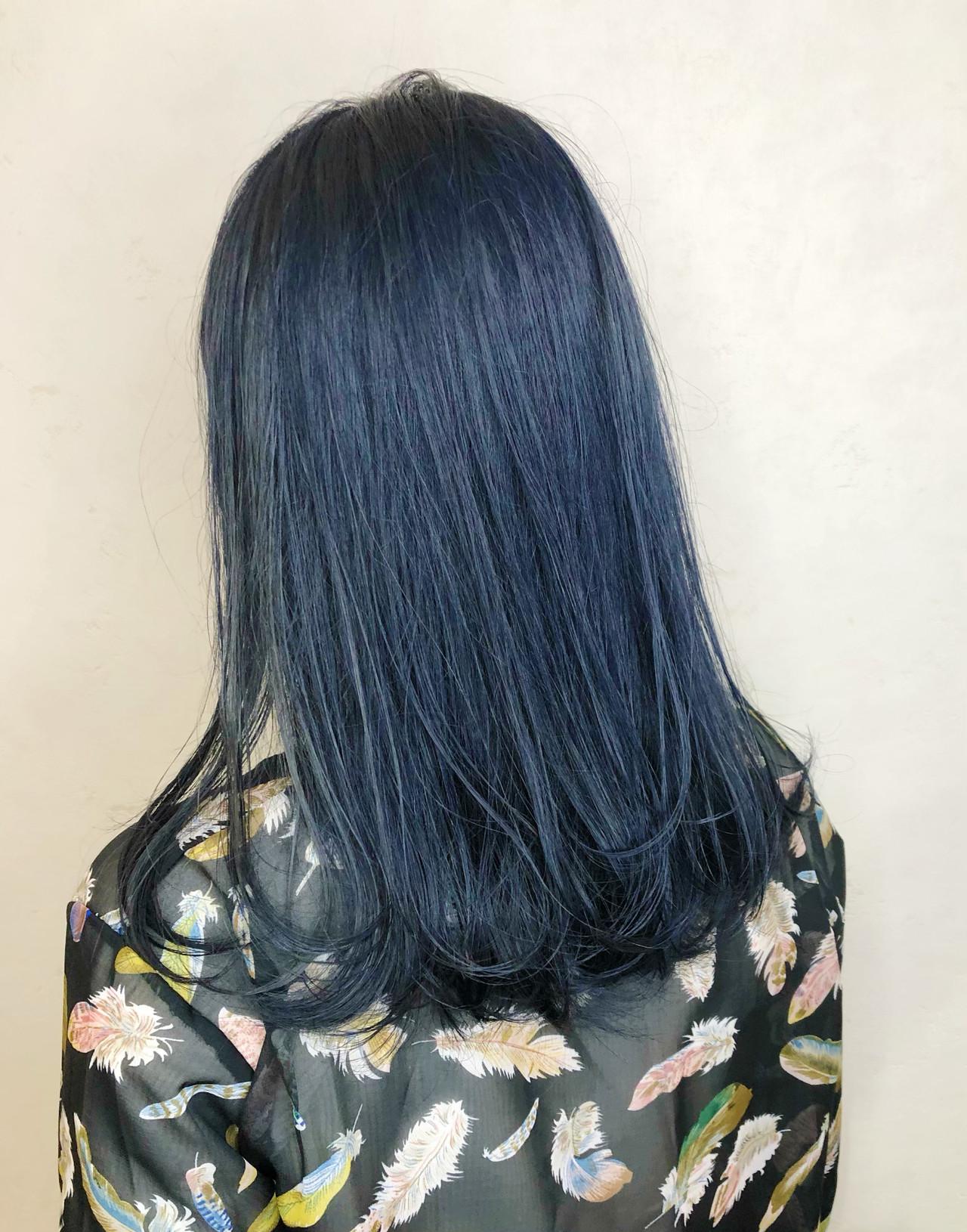 ストリート ネイビーカラー ネイビーブルー ブリーチカラー ヘアスタイルや髪型の写真・画像