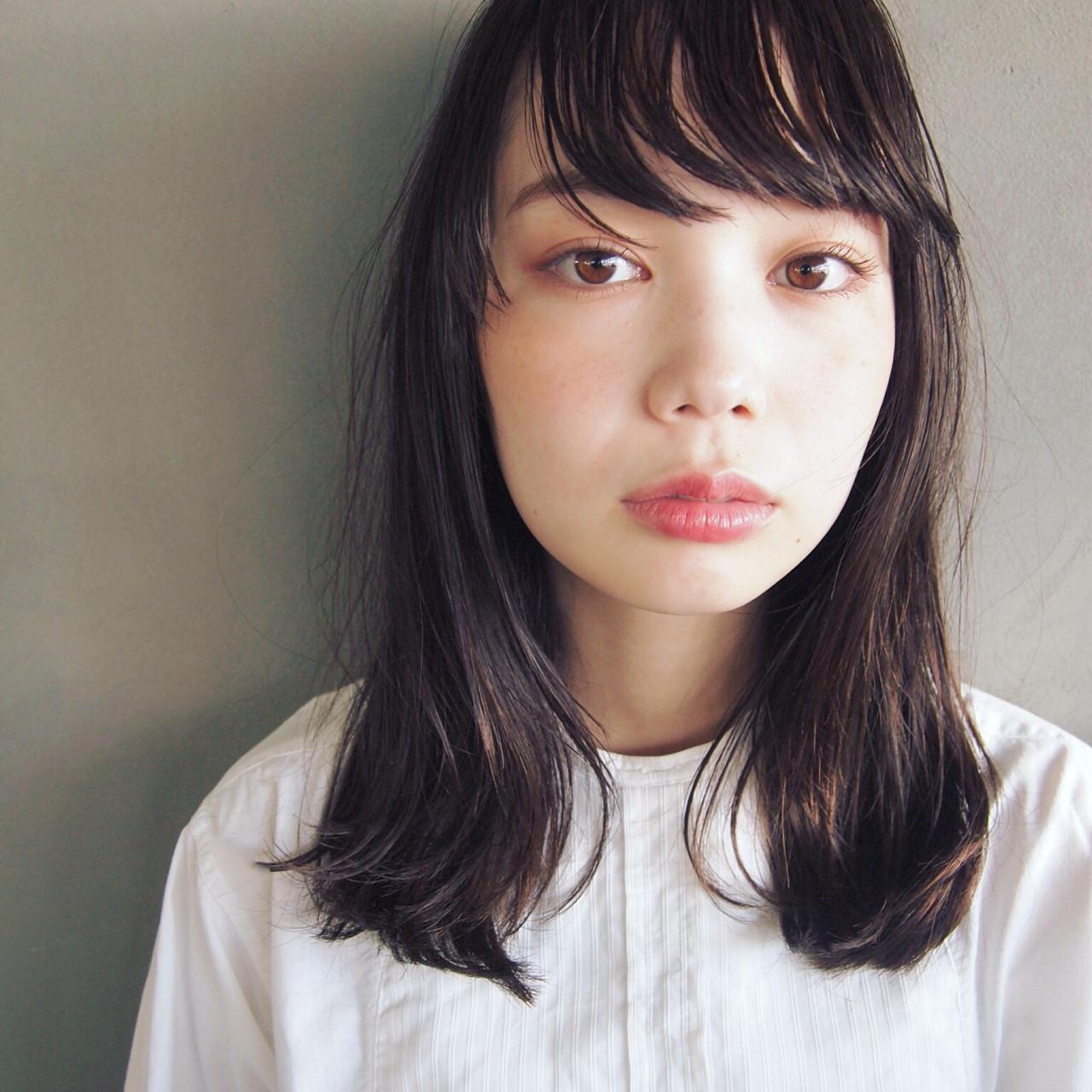 黒髪 ストレート ウェットヘア セミロング ヘアスタイルや髪型の写真・画像