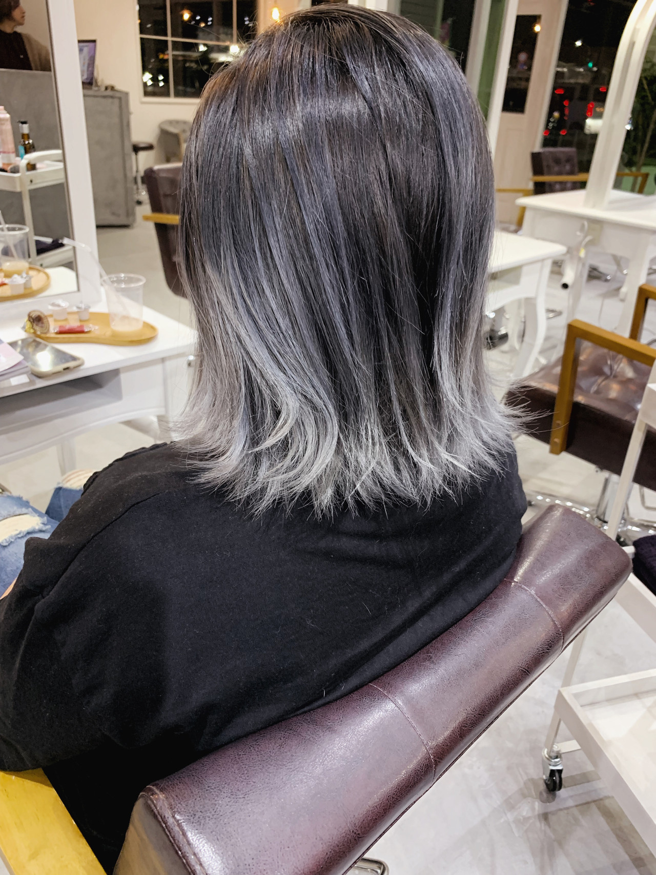 ナチュラル コントラストハイライト バレイヤージュ ハイライト ヘアスタイルや髪型の写真・画像