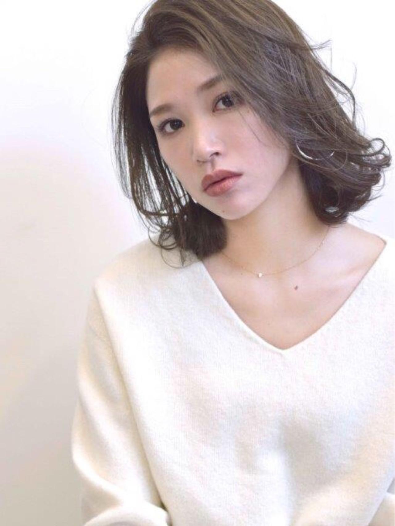 ウェーブ リラックス ミディアム 前髪あり ヘアスタイルや髪型の写真・画像   emi【till】 / till