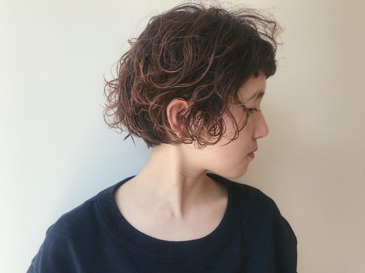 ナチュラル ショート パーマ 前下がり ヘアスタイルや髪型の写真・画像 | 仙頭郁弥 / LIM+LIM