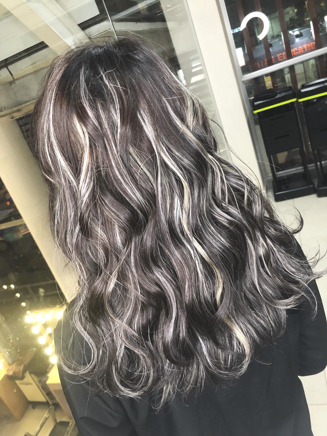 ハイライト バレイヤージュ グラデーションカラー グレージュ ヘアスタイルや髪型の写真・画像 | 筒井 隆由 / Hair salon mode