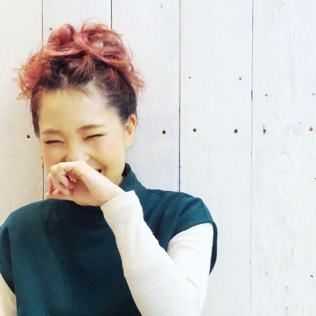 お団子 ガーリー レッド セミロング ヘアスタイルや髪型の写真・画像 | KUMA / hair make PUR