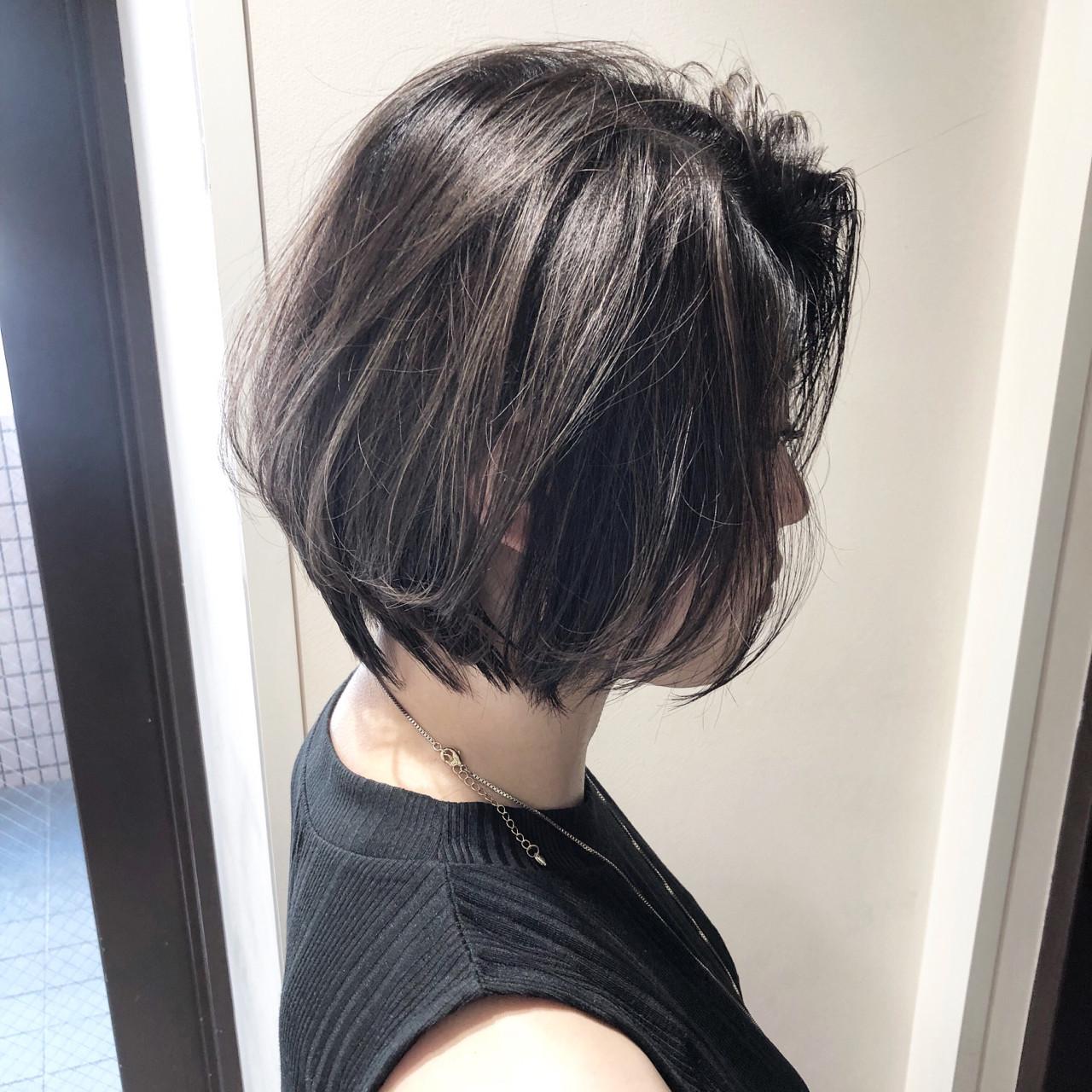 ショート オフィス グレージュ コンサバ ヘアスタイルや髪型の写真・画像