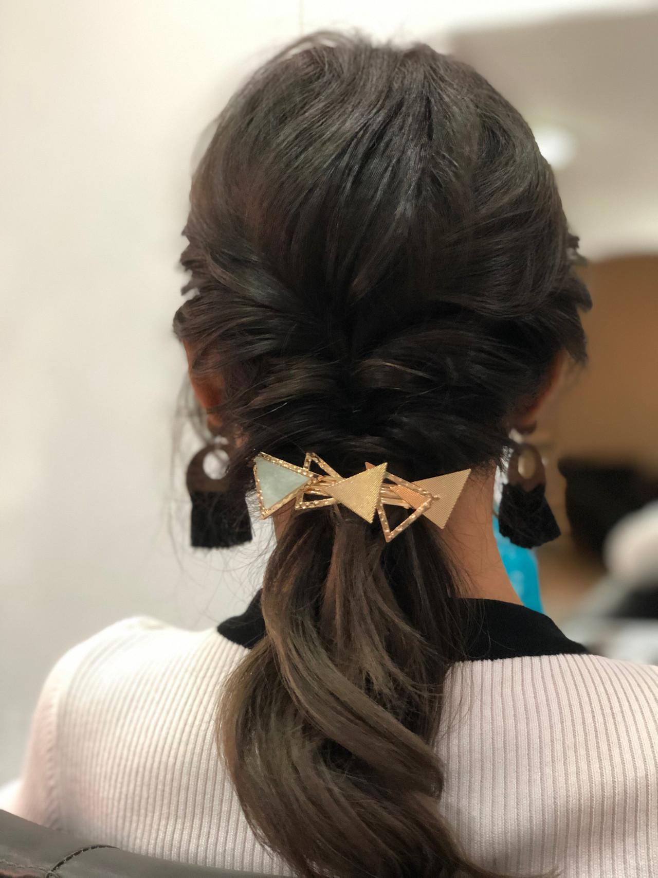 セミロング 簡単ヘアアレンジ フェミニン セルフヘアアレンジ ヘアスタイルや髪型の写真・画像