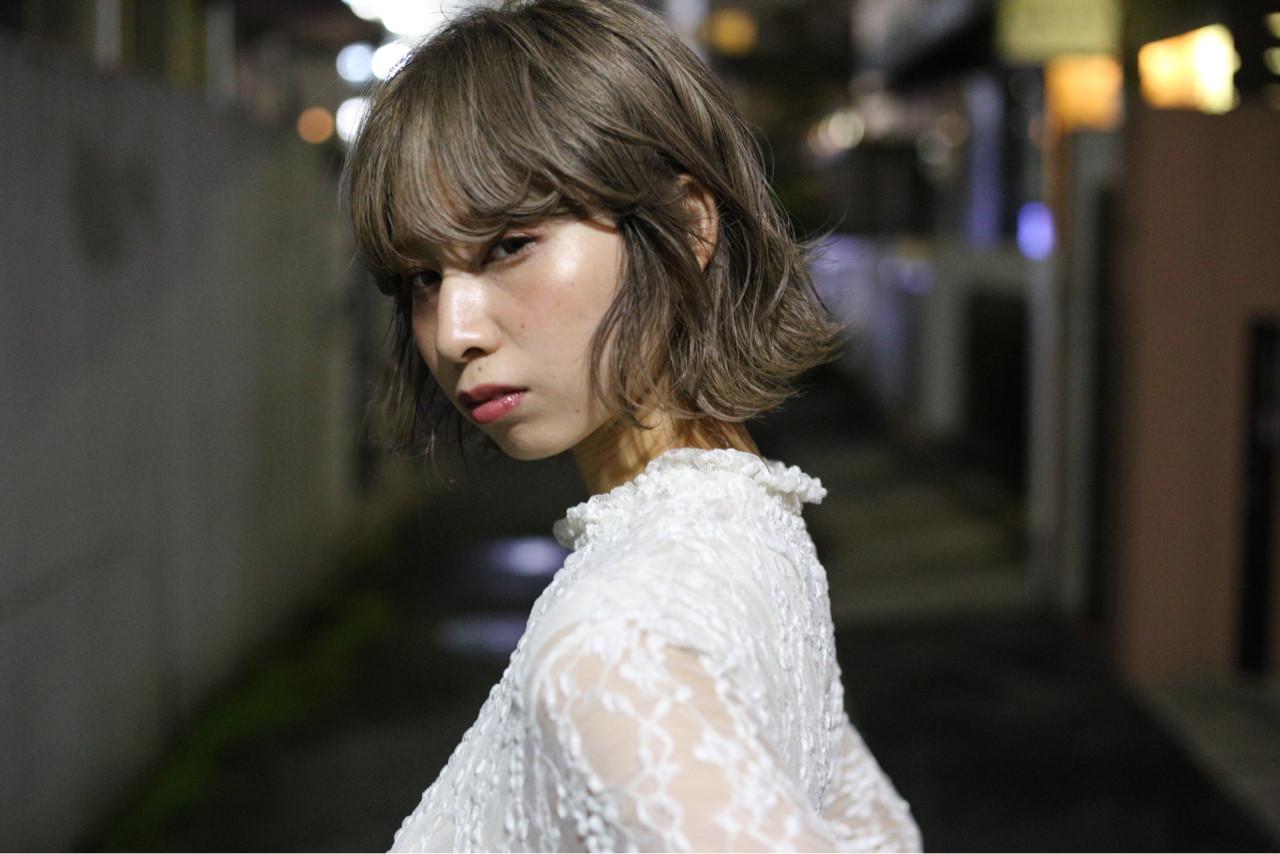 フェミニン ウェットヘア かわいい ミディアム ヘアスタイルや髪型の写真・画像