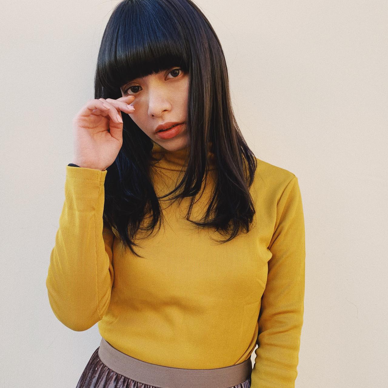 ニュアンスパーマ ニュアンスヘア ナチュラル ミディアムレイヤー ヘアスタイルや髪型の写真・画像
