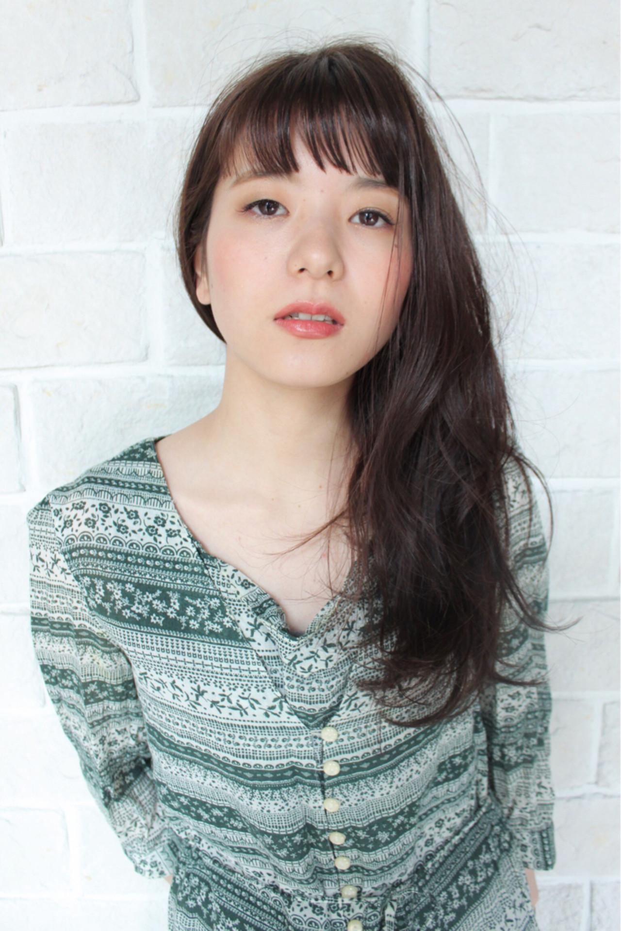 大人かわいい モード 抜け感 リラックス ヘアスタイルや髪型の写真・画像 | okubo shigeru / Salt hair