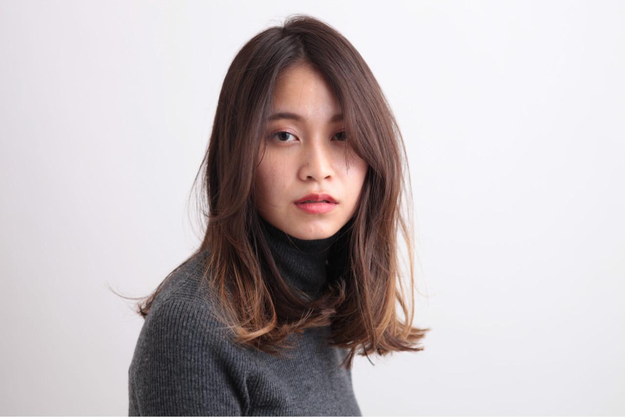 色気 ナチュラル 暗髪 ハイライト ヘアスタイルや髪型の写真・画像