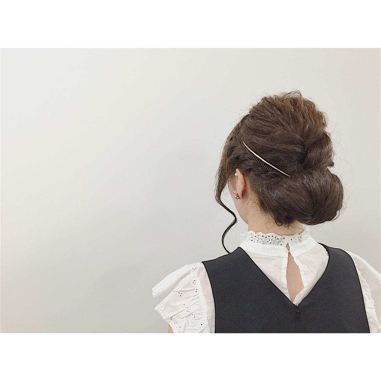 カジュアルモダンなお洋服には ・ ・ あえてまとまりを ・ ・ 編み込みを加えた ・ ・ ギブソンタックアレンジ☆☆☆