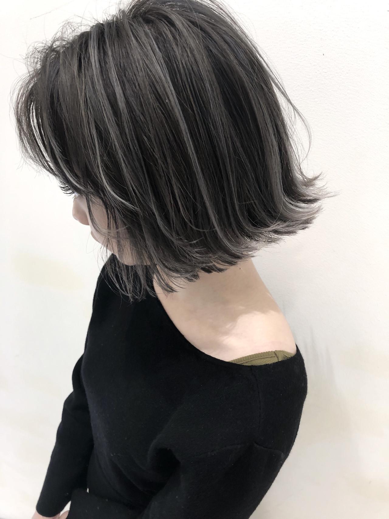 ハイライト グレージュ 外国人風 ウェーブ ヘアスタイルや髪型の写真・画像