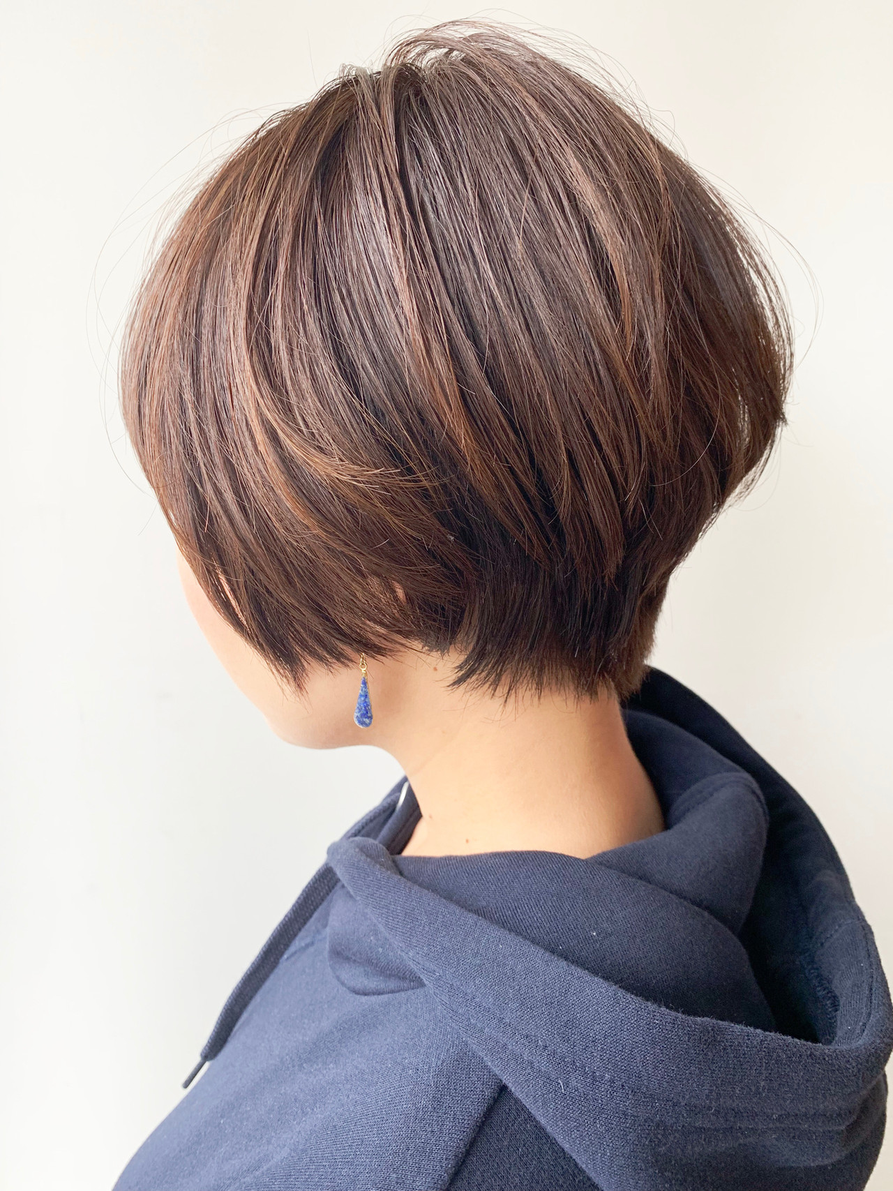 ショートヘア 丸みショート オフィス ショートボブ ヘアスタイルや髪型の写真・画像