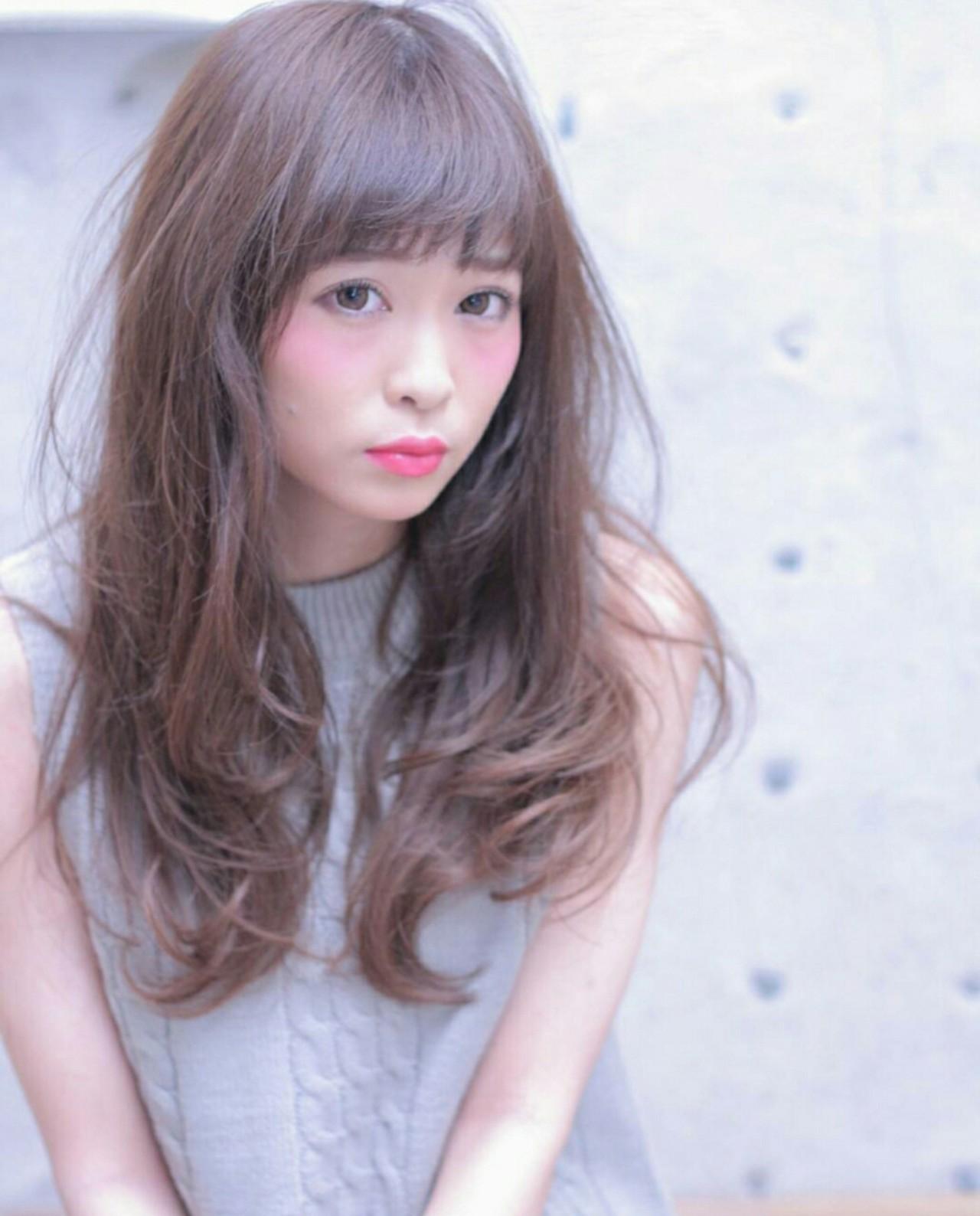 大人かわいい ウェーブ ロング ナチュラル ヘアスタイルや髪型の写真・画像