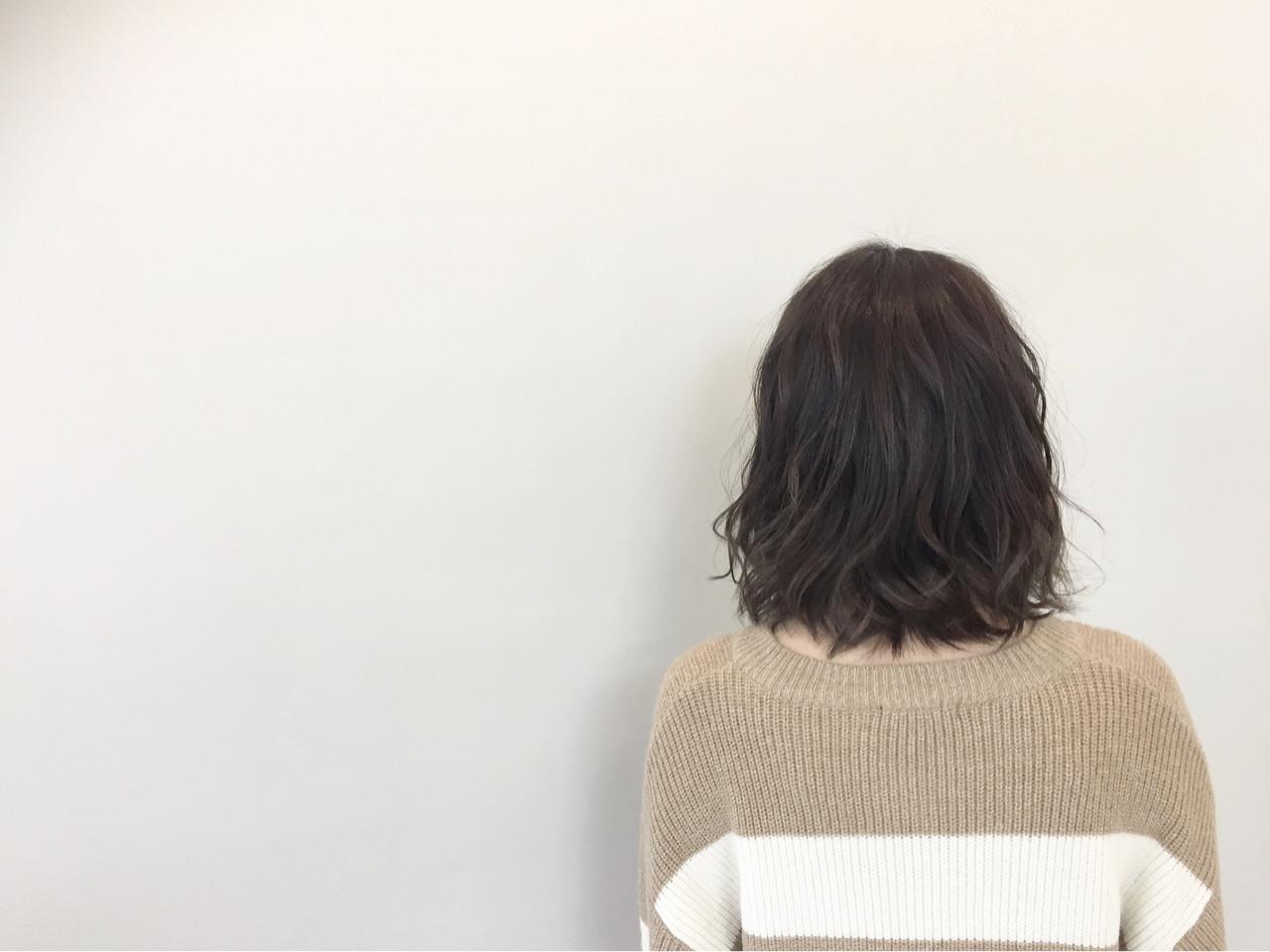 色気 ナチュラル アッシュ ミルクティー ヘアスタイルや髪型の写真・画像