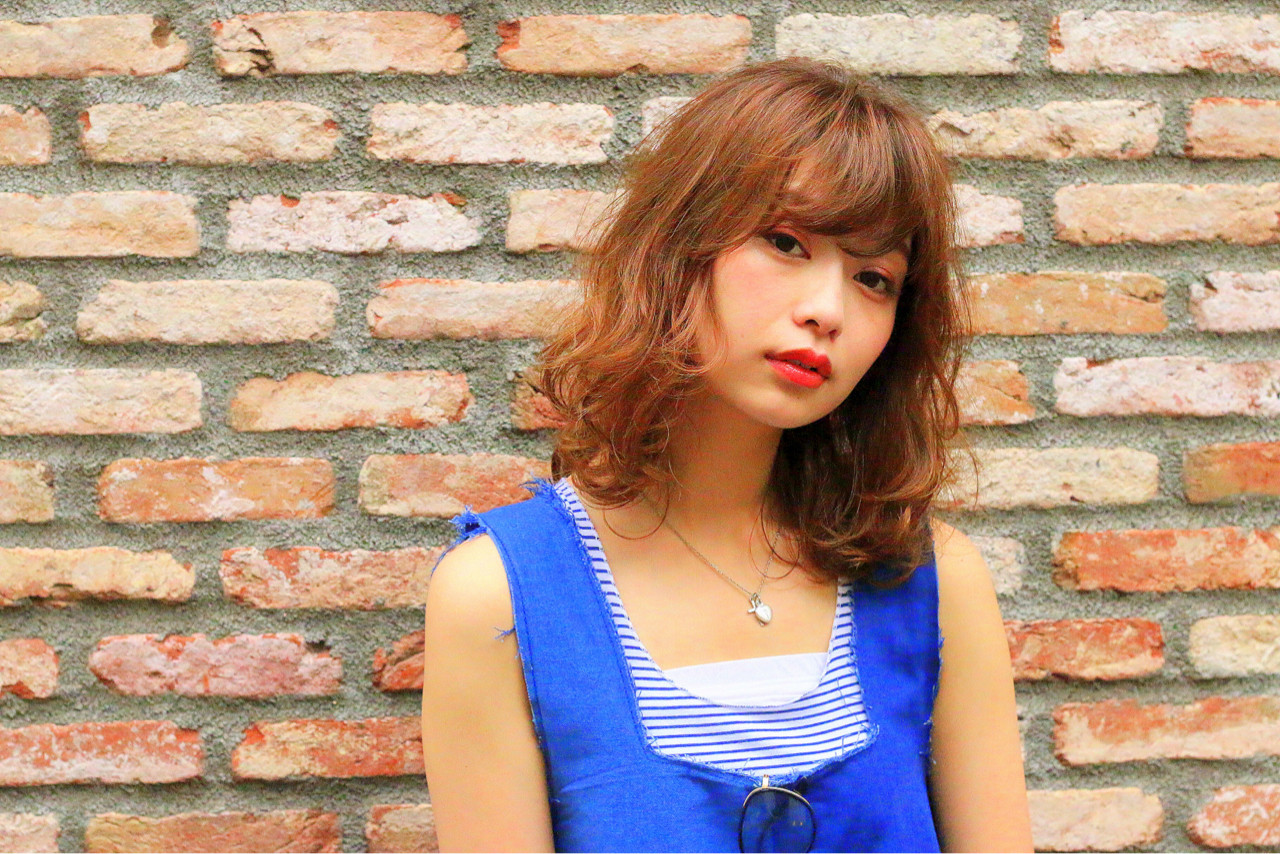 ブラウン 外国人風 ストリート ゆるふわ ヘアスタイルや髪型の写真・画像