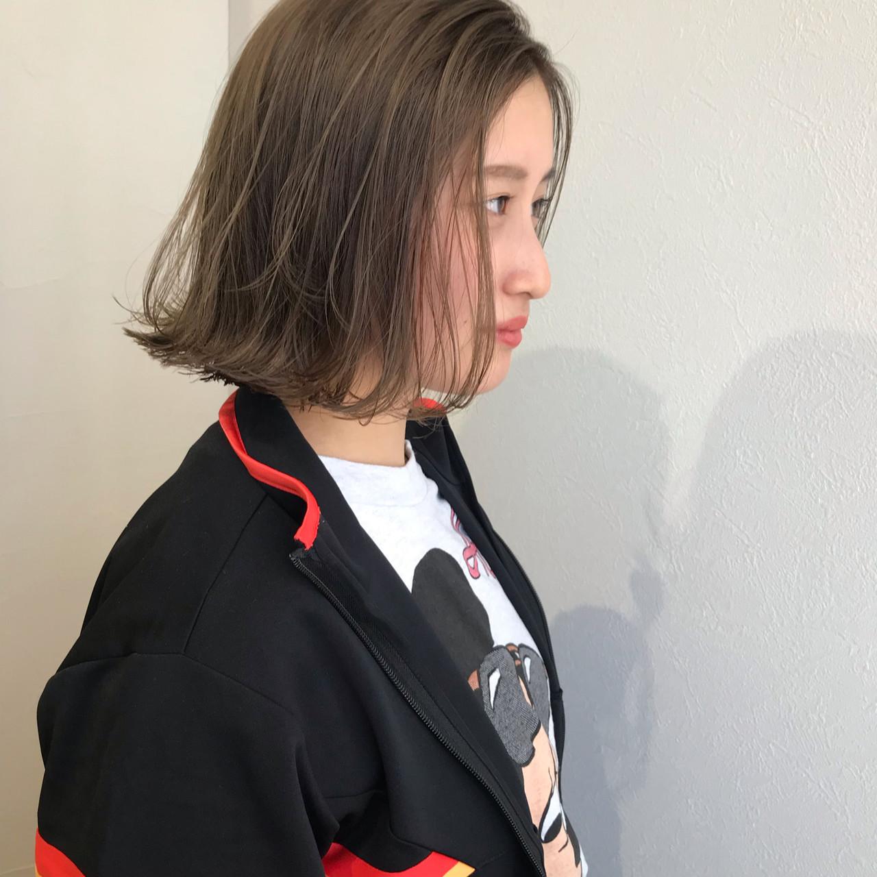 ミルクティーベージュ ナチュラル ヘアアレンジ 簡単ヘアアレンジ ヘアスタイルや髪型の写真・画像