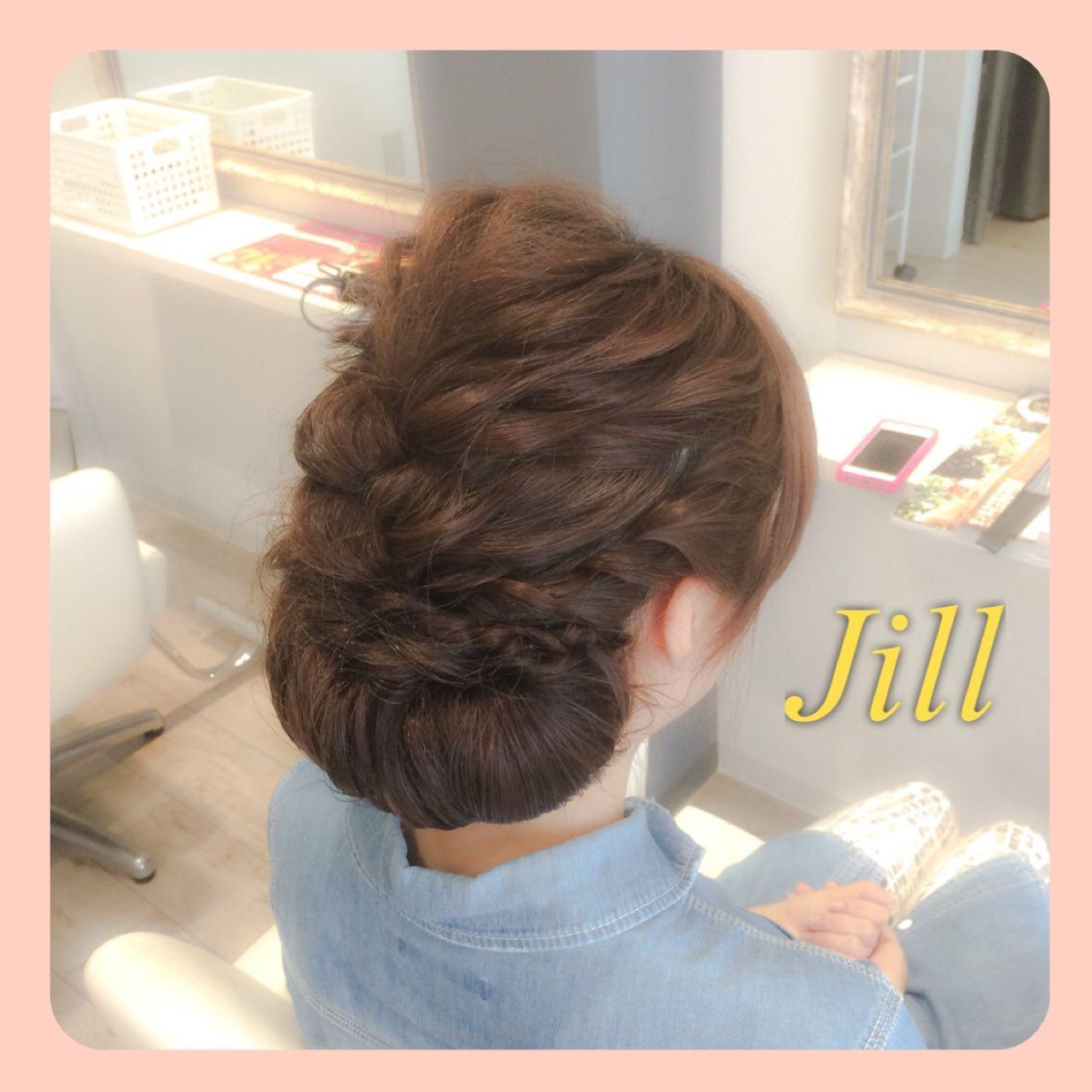ねじり 簡単ヘアアレンジ シニヨン ショート ヘアスタイルや髪型の写真・画像