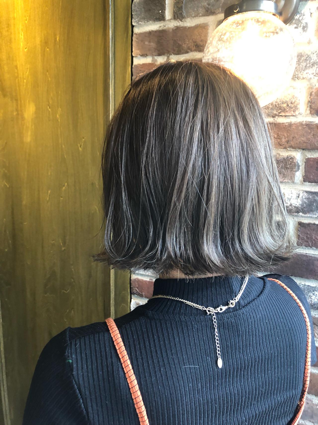 3Dハイライト アッシュグレー ボブ 切りっぱなしボブ ヘアスタイルや髪型の写真・画像 | 小山雄 / Aimee 町田