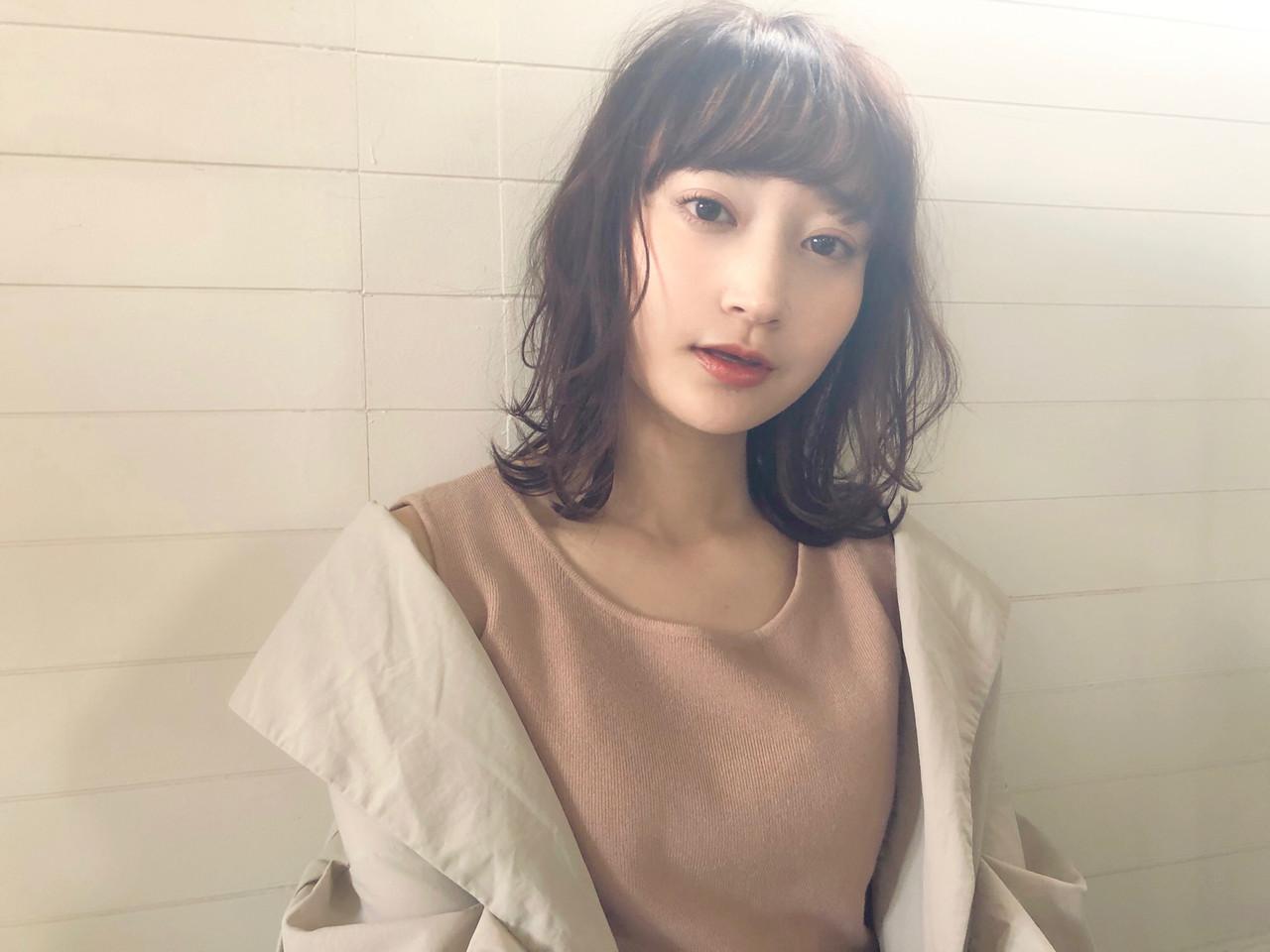 大人かわいい ミディアム パーマ ナチュラル ヘアスタイルや髪型の写真・画像