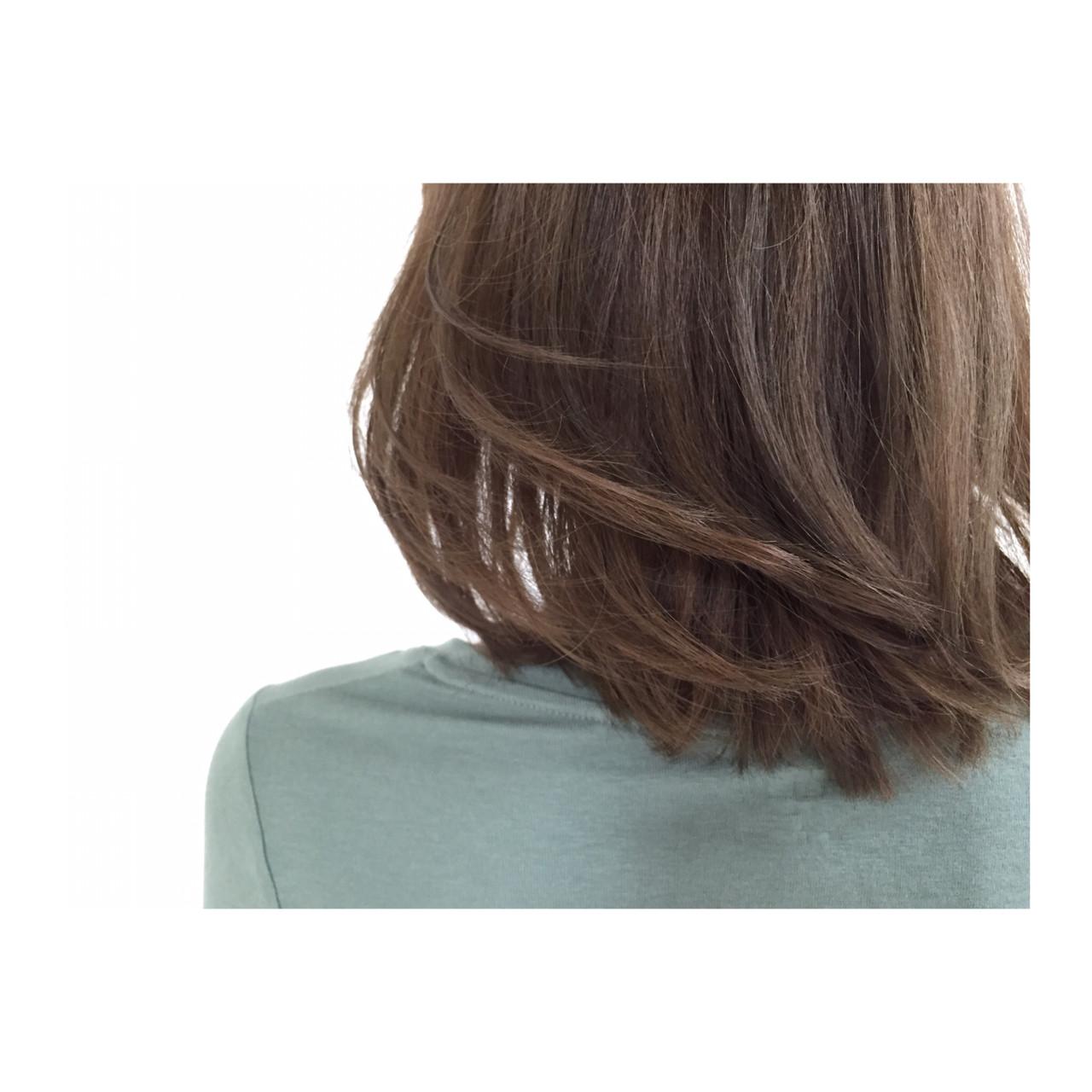 外国人風 暗髪 ボブ 大人かわいい ヘアスタイルや髪型の写真・画像 | ハラカズトモ / ESTMODE函館