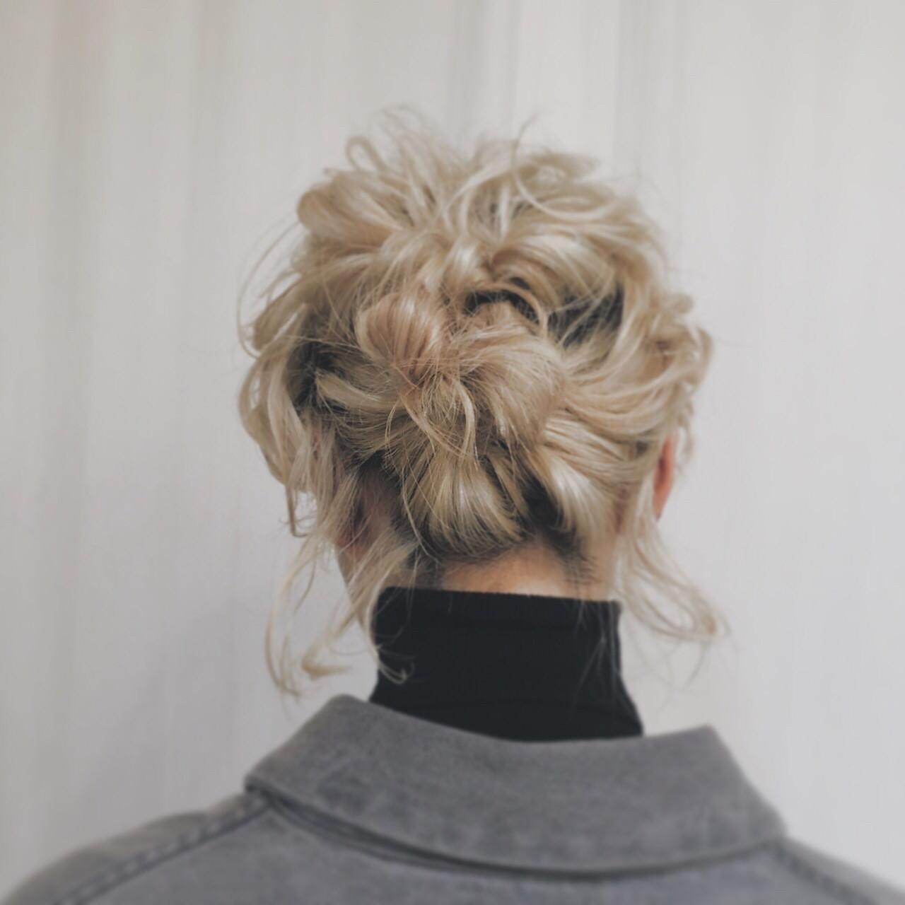 簡単ヘアアレンジ ヘアアレンジ 金髪 ブリーチ ヘアスタイルや髪型の写真・画像